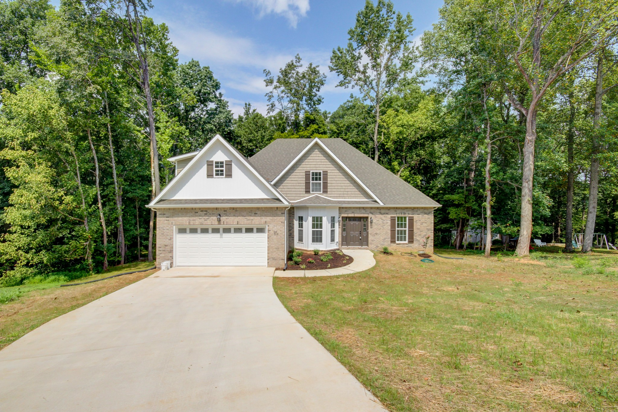 Bandywood Real Estate Listings Main Image