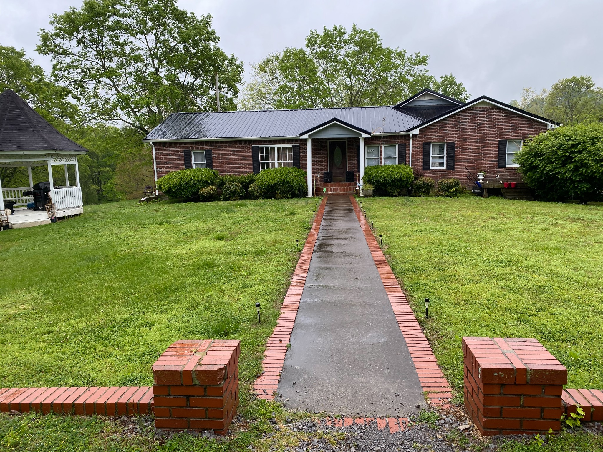 1498 Keesee Road Property Photo 2