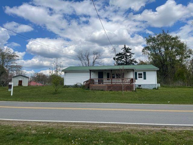 107 Roberts Ln Property Photo