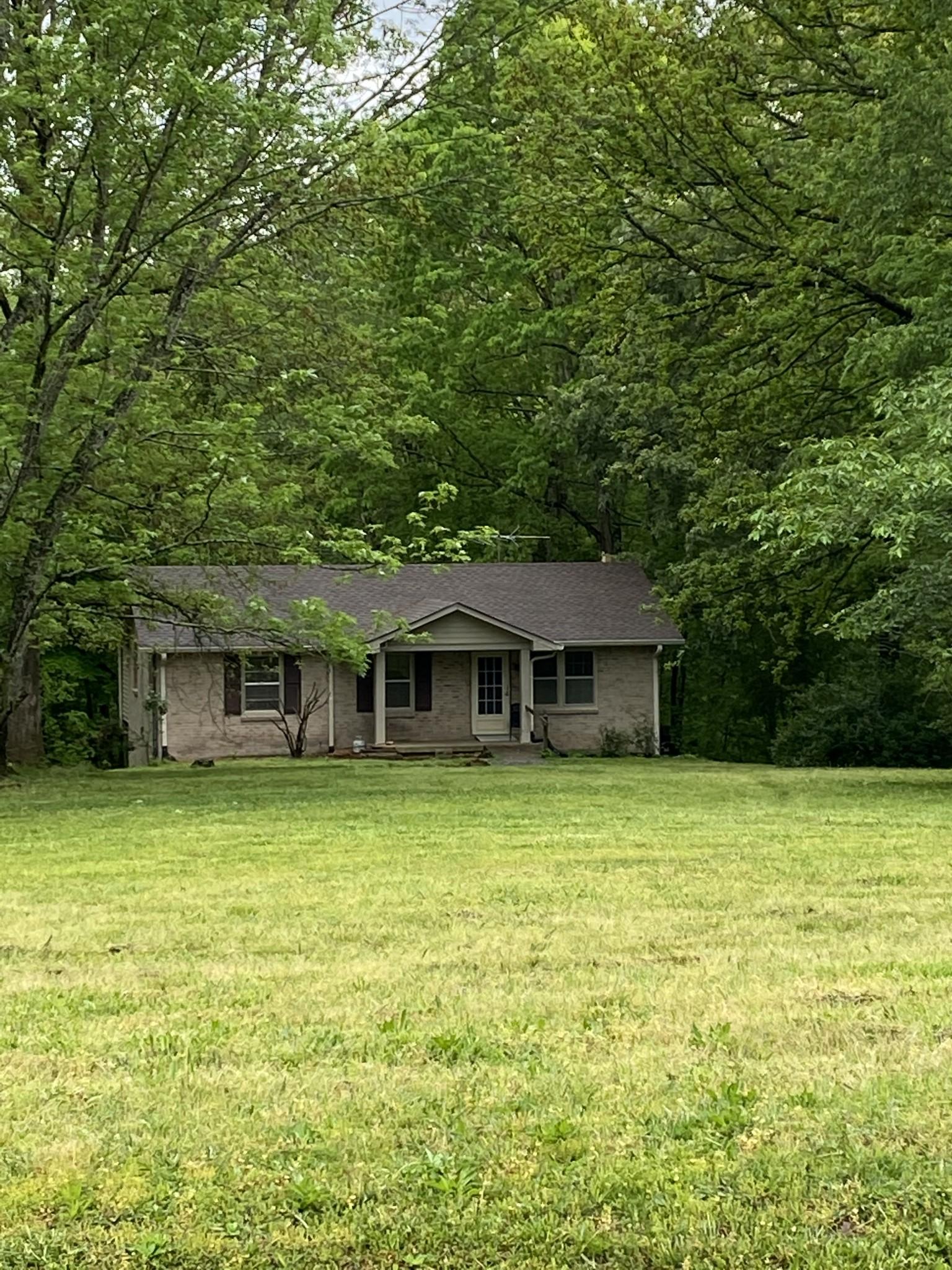 2292 S Hinton Rd Property Photo