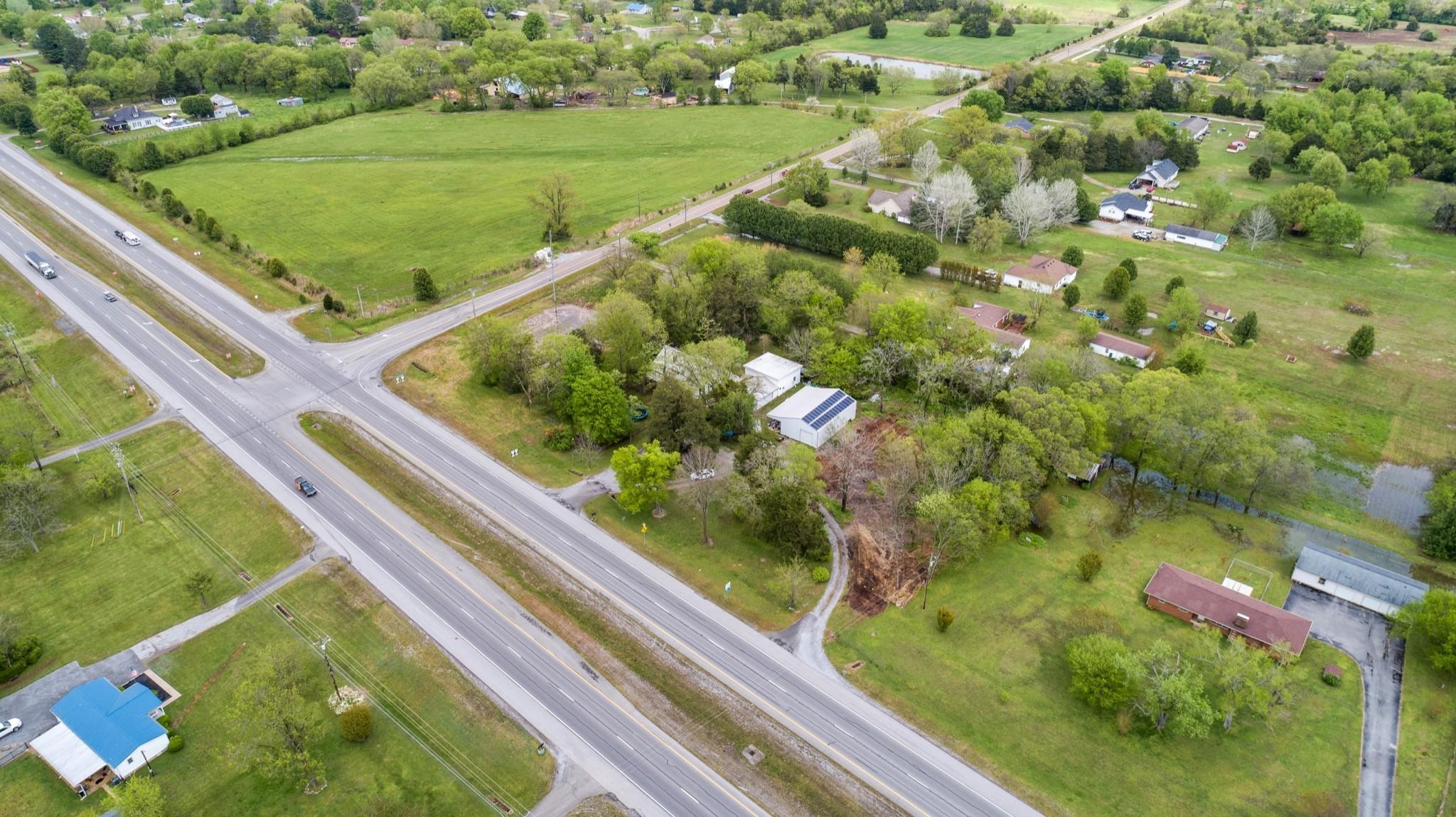 6167 Shelbyville Pike Property Photo 4