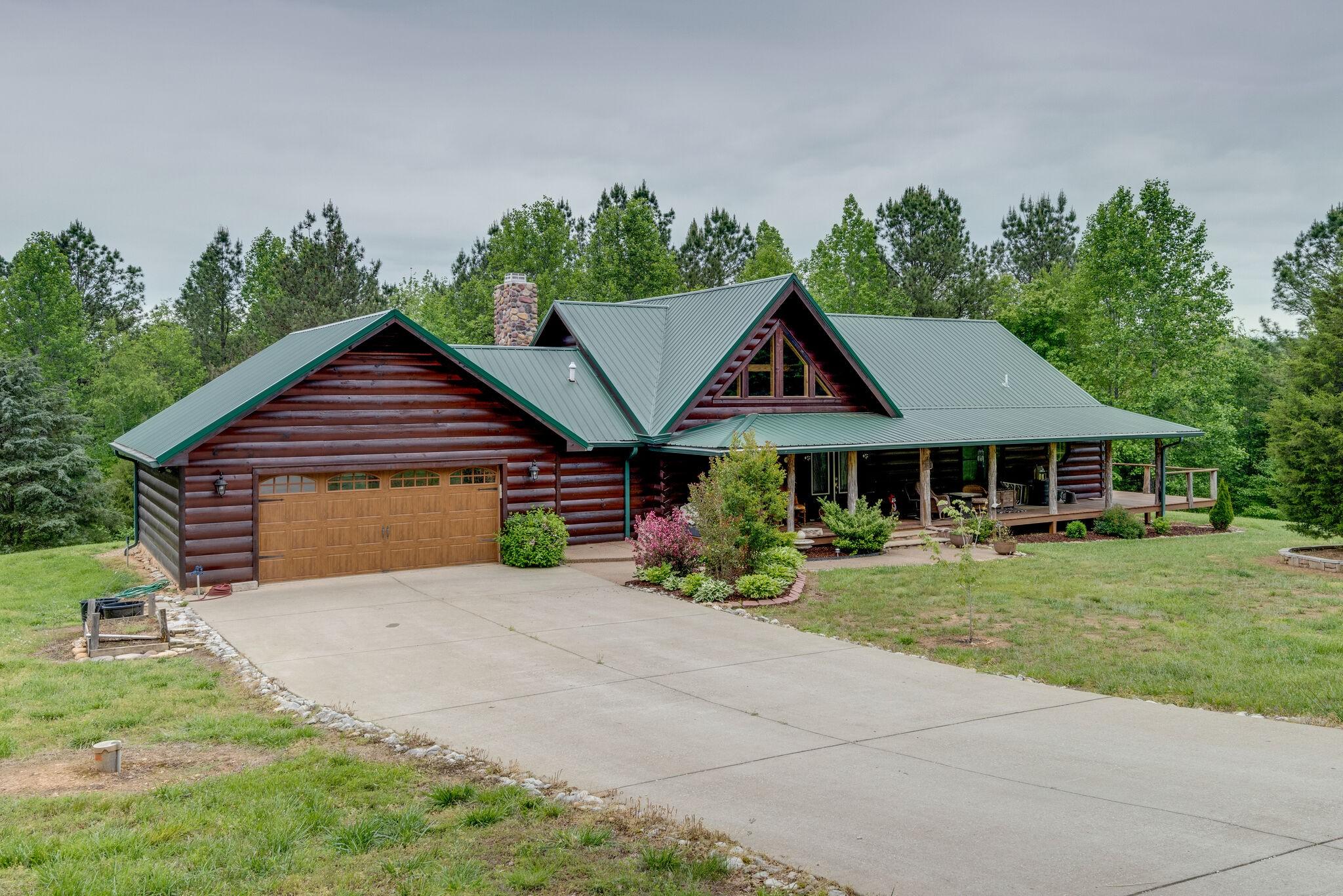 1833 Deer Creek Rd Property Photo