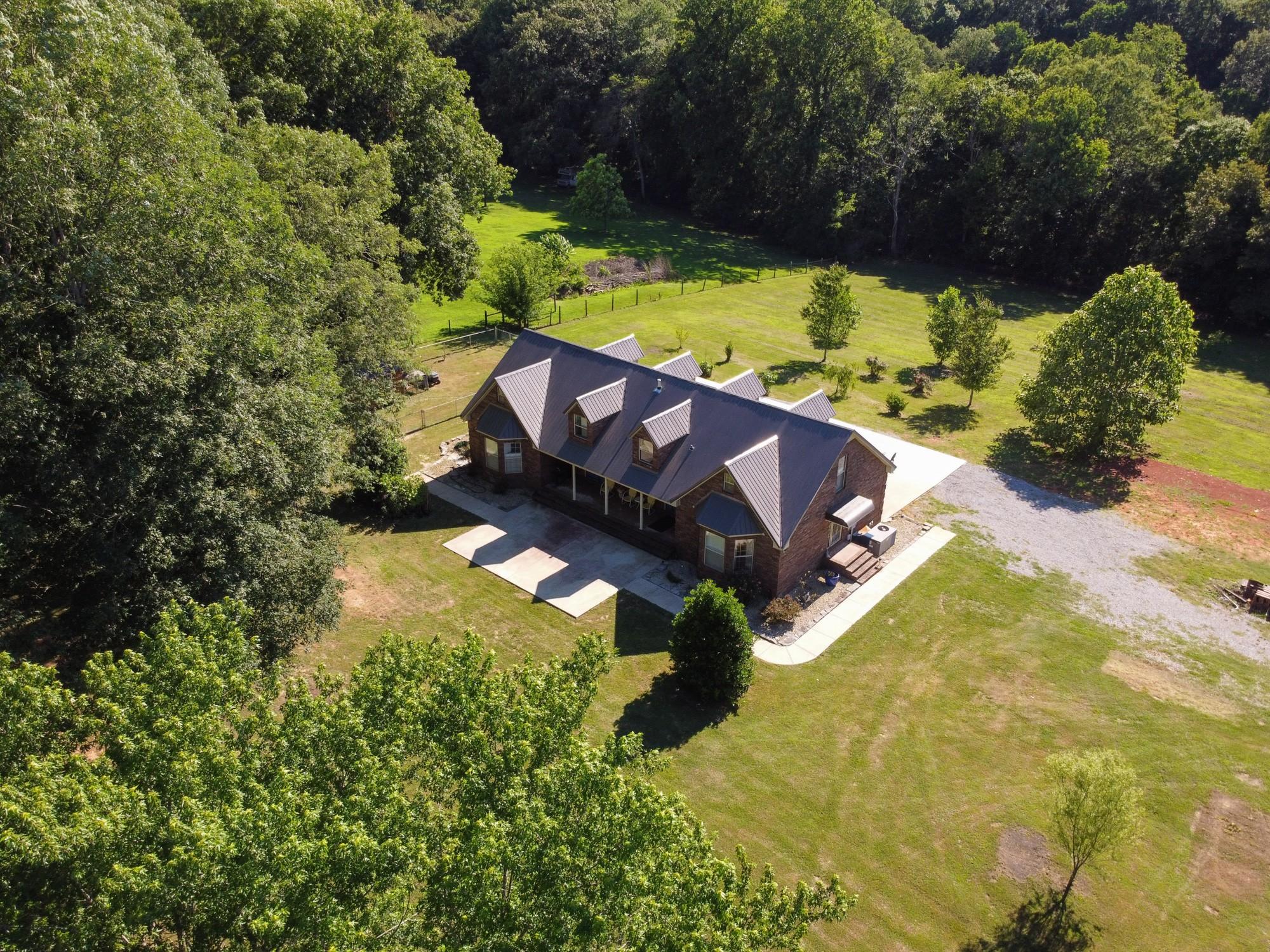 211 Spring Creek Rd Property Photo