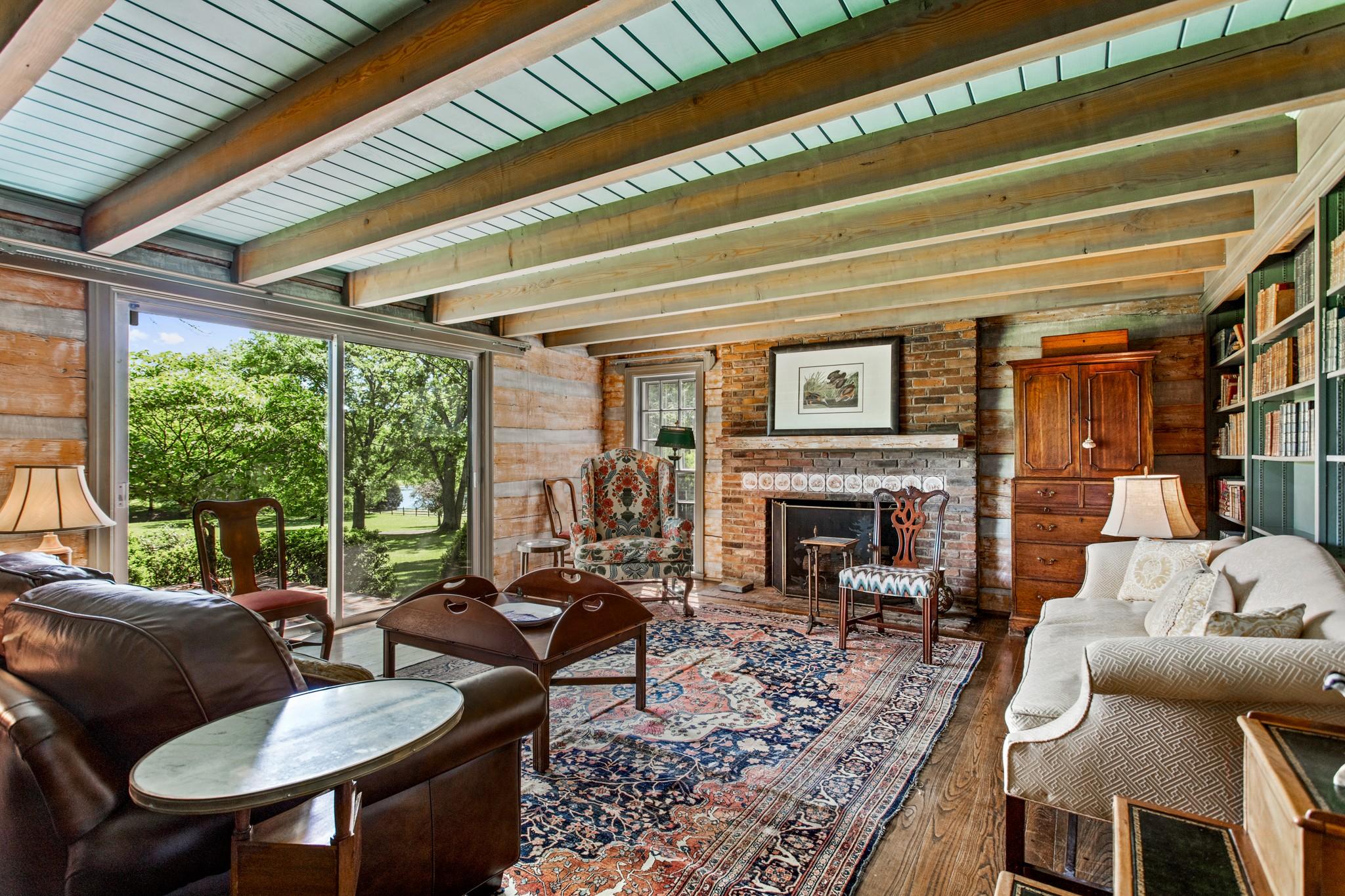 370 Vaughn Rd Property Photo 11