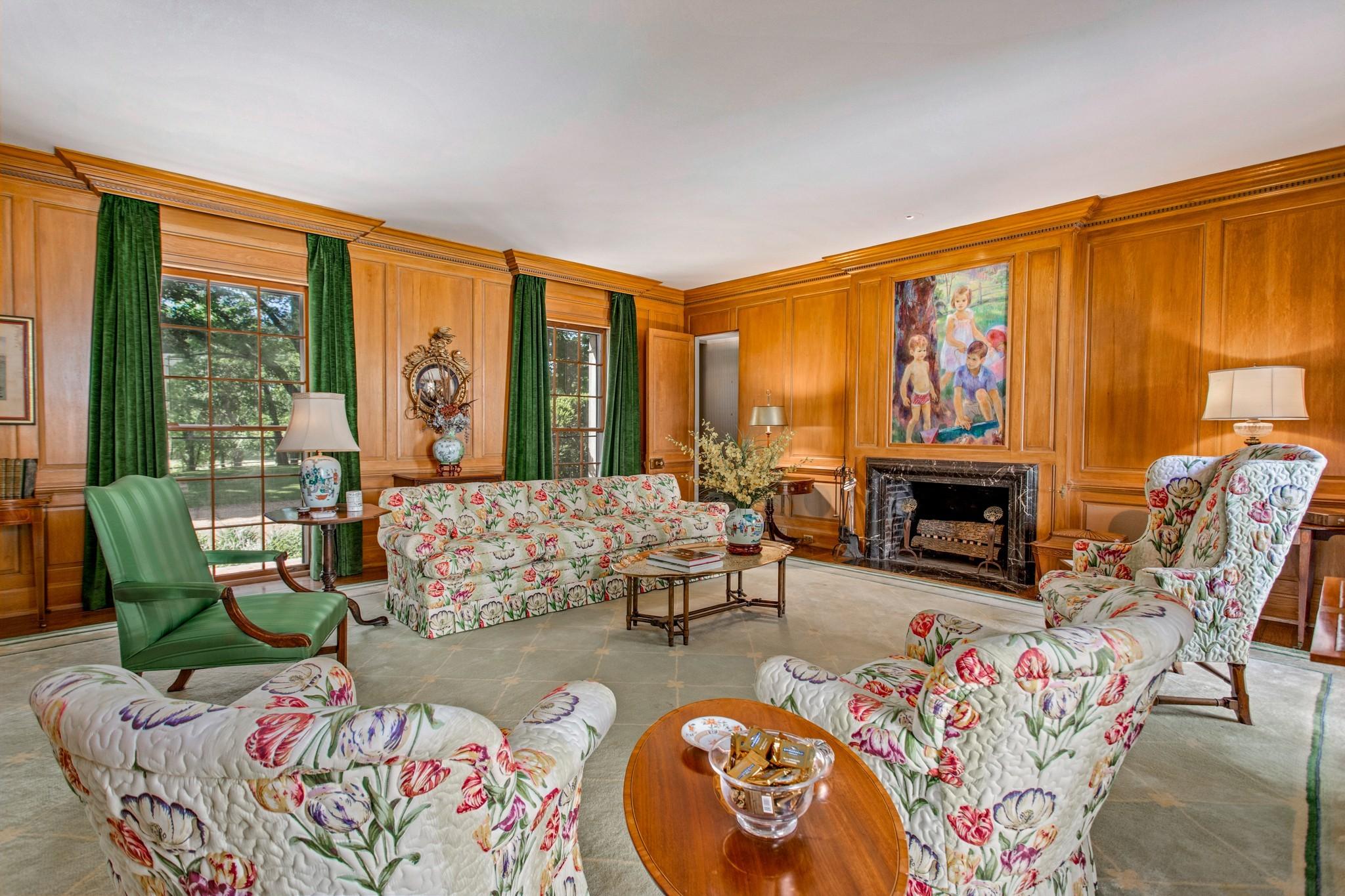 370 Vaughn Rd Property Photo 9
