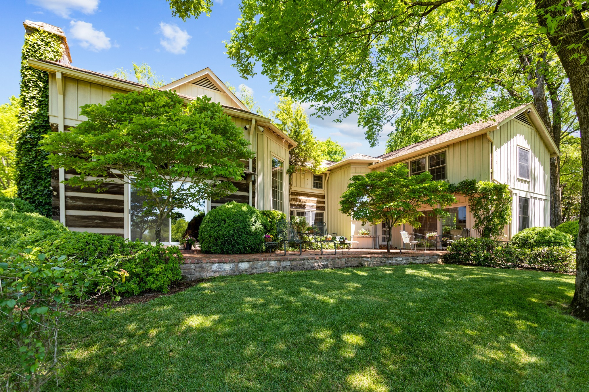 370 Vaughn Rd Property Photo 17