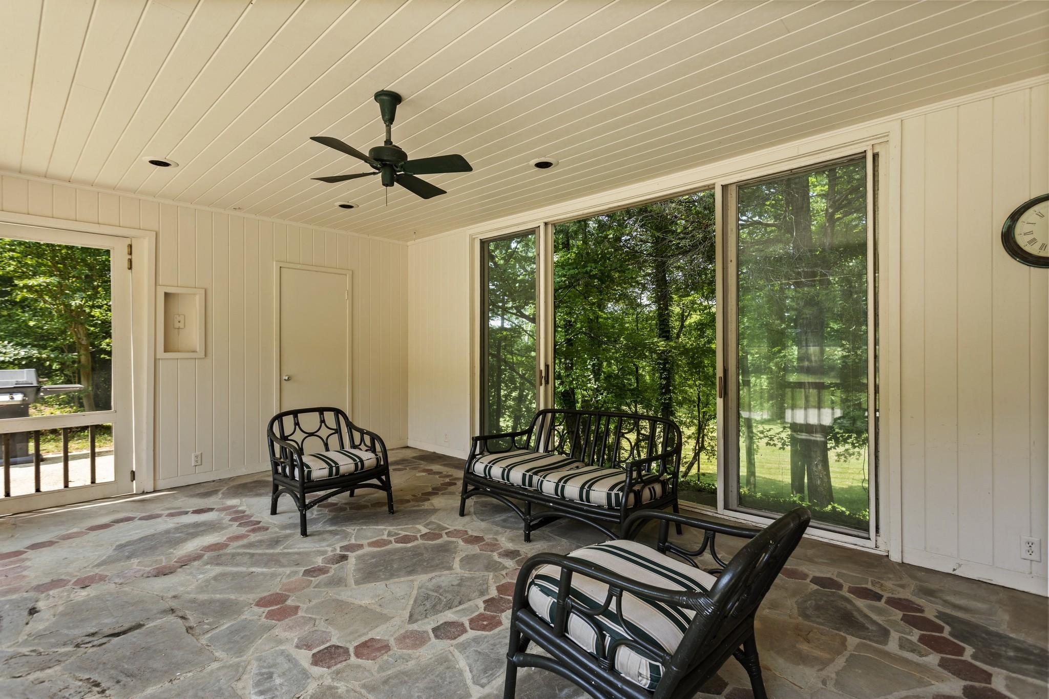 370 Vaughn Rd Property Photo 20