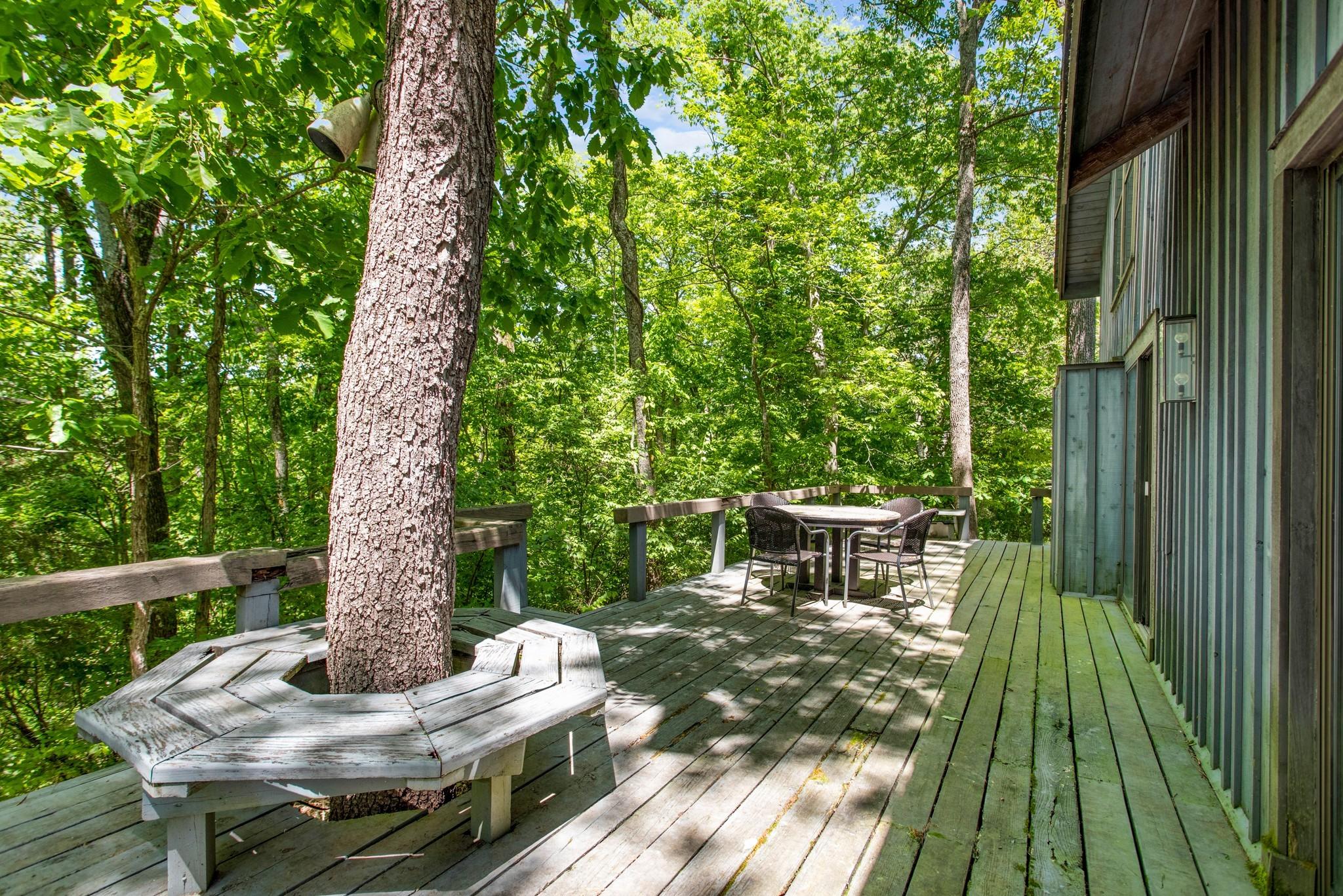 370 Vaughn Rd Property Photo 25