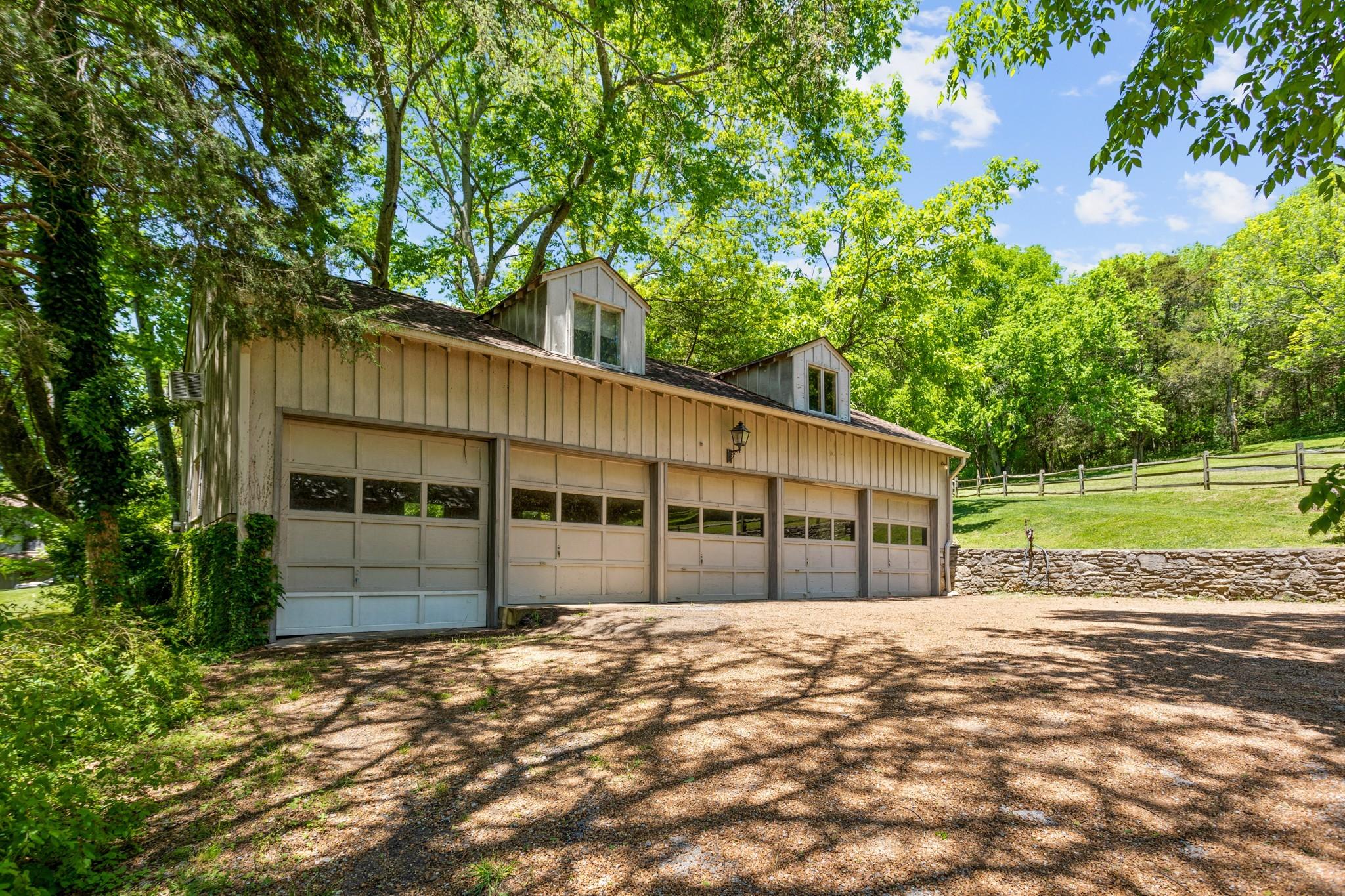 370 Vaughn Rd Property Photo 30