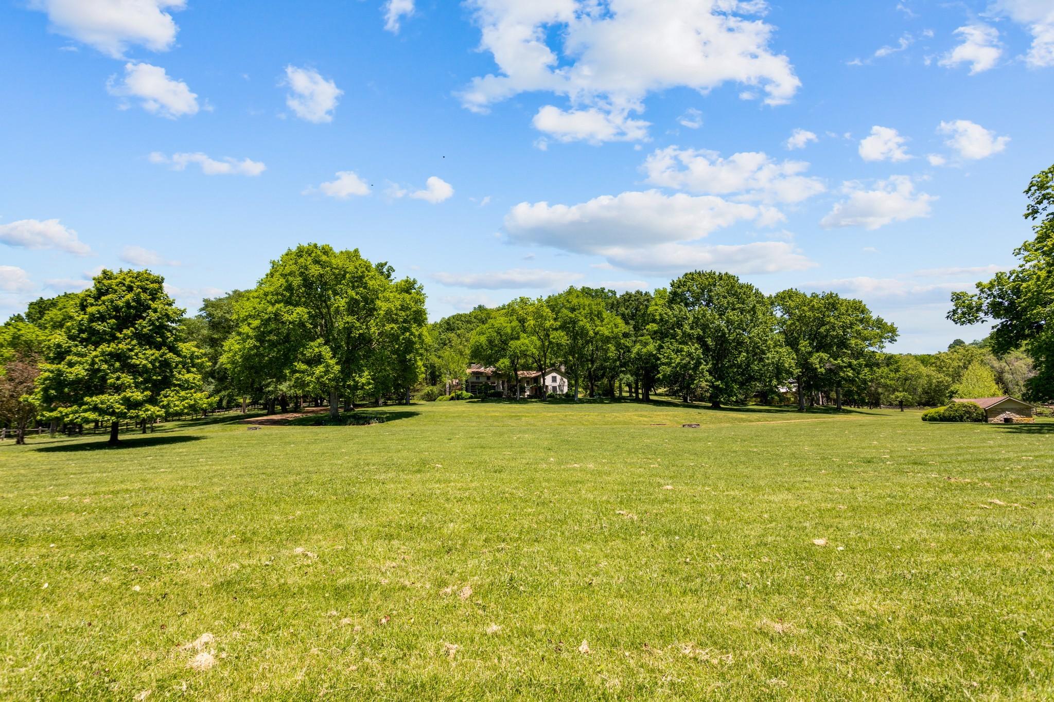 370 Vaughn Rd Property Photo 40