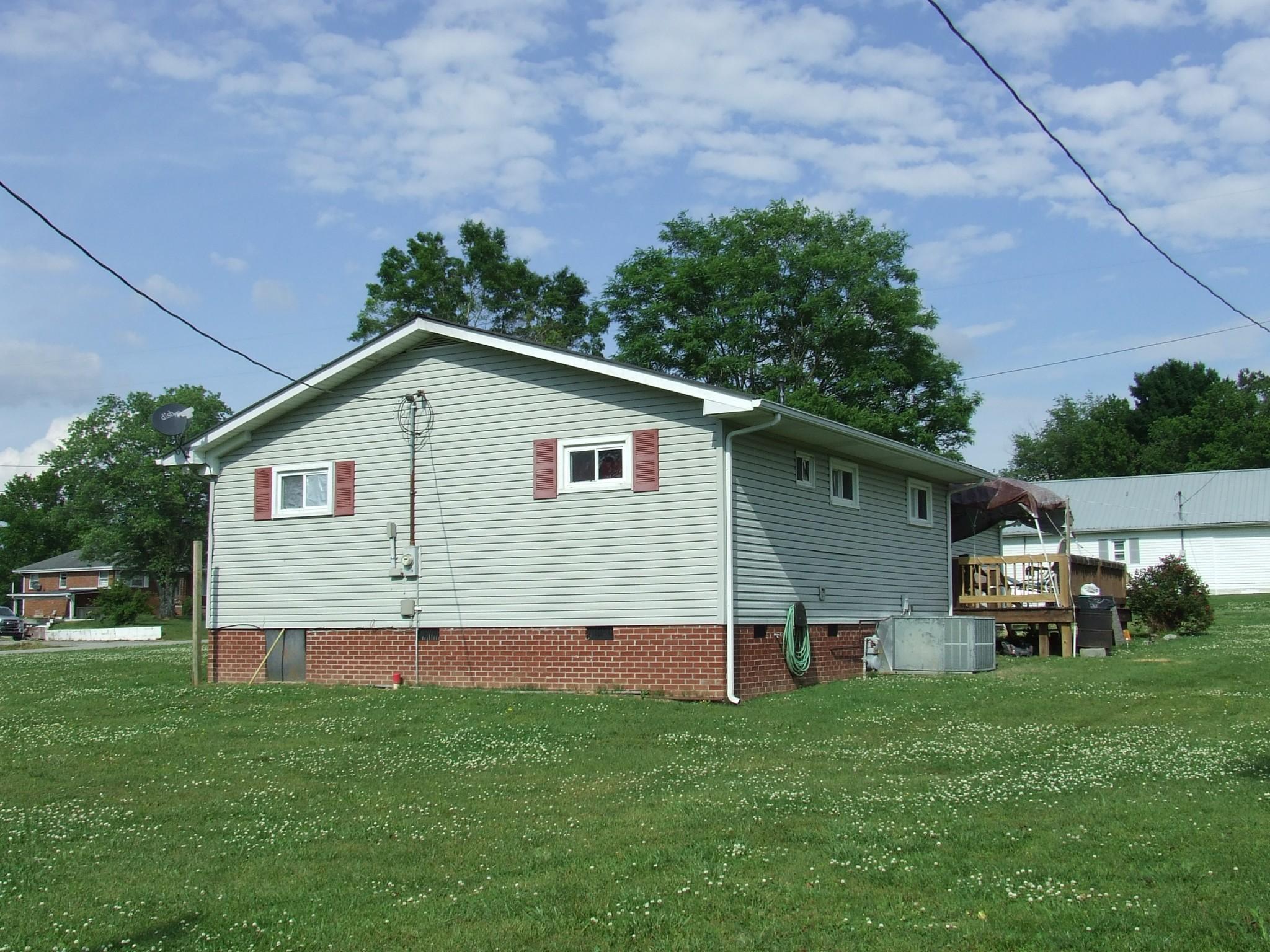8475 Old Nashville Hwy Property Photo 4