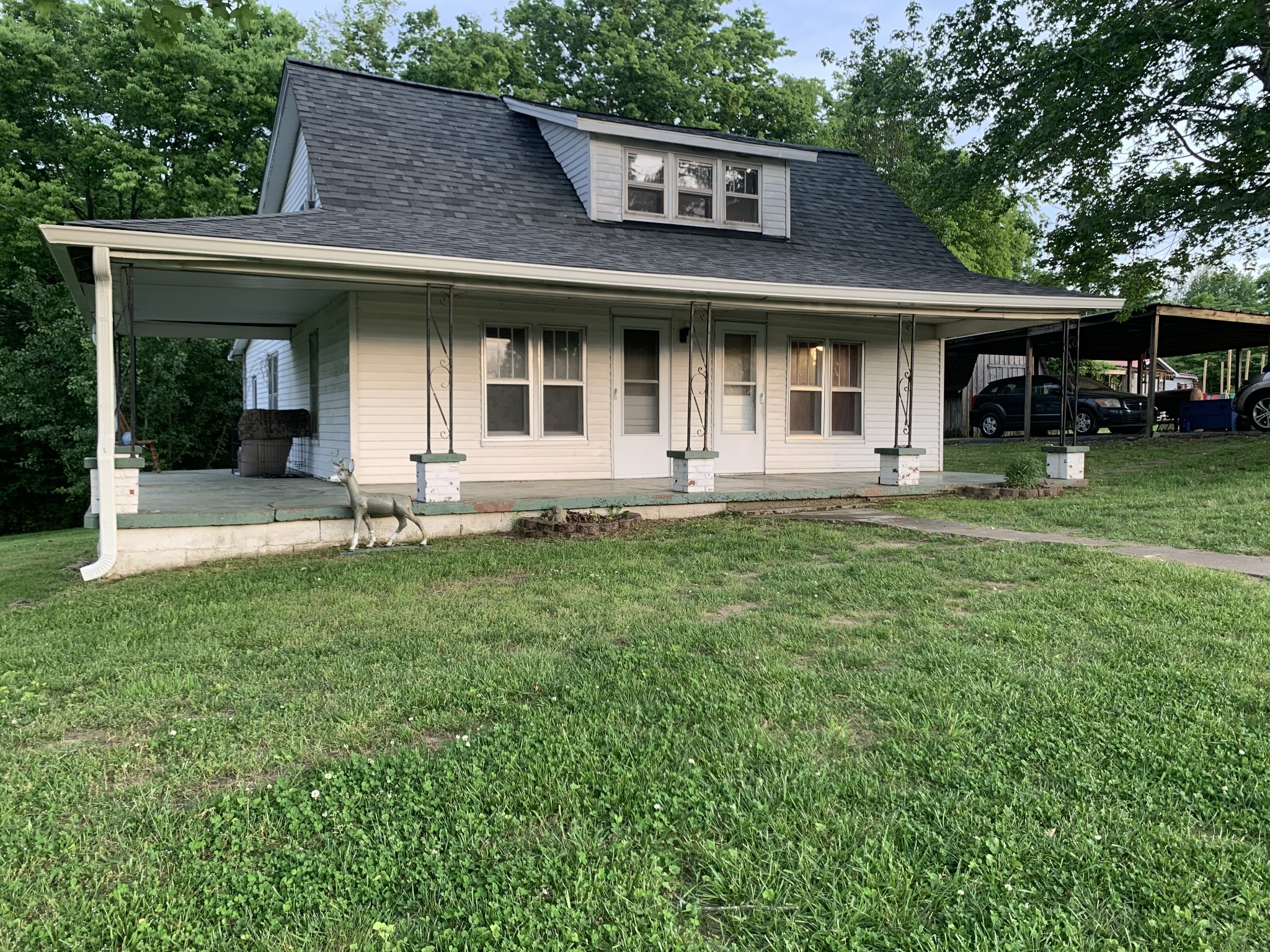 2863 Sweethome Rd Property Photo