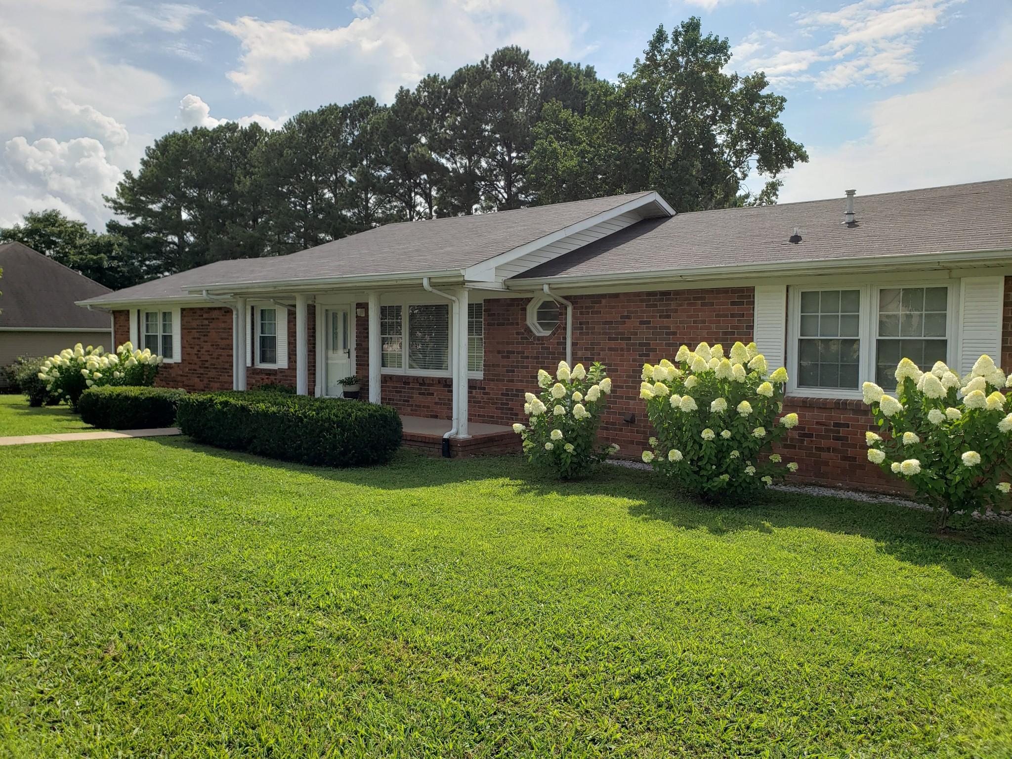 37324 Real Estate Listings Main Image