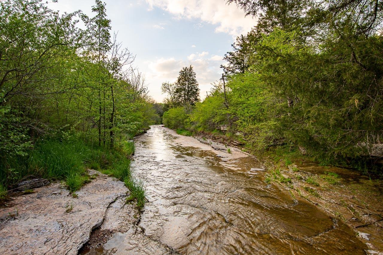 400 Bear Creek Pike Property Photo 3