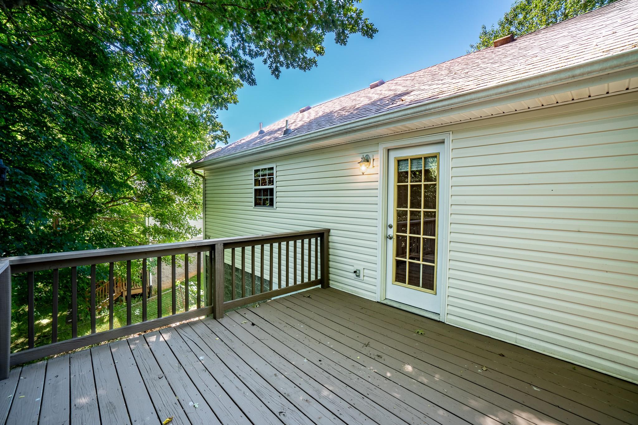 137 Brookside Pt Property Photo 8