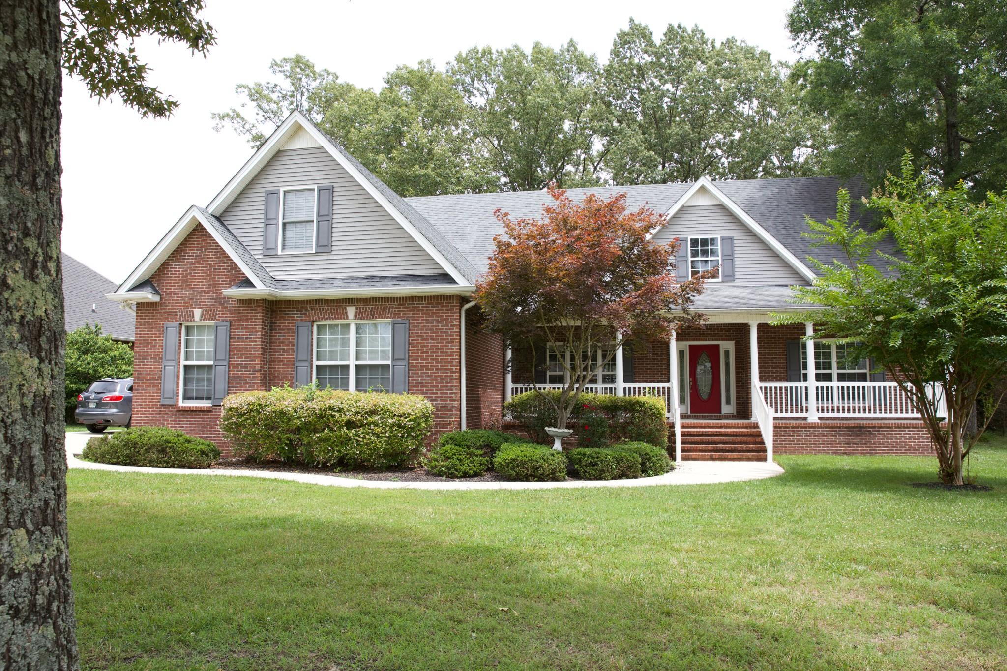 182 Oak Hollow Rd Property Photo 1
