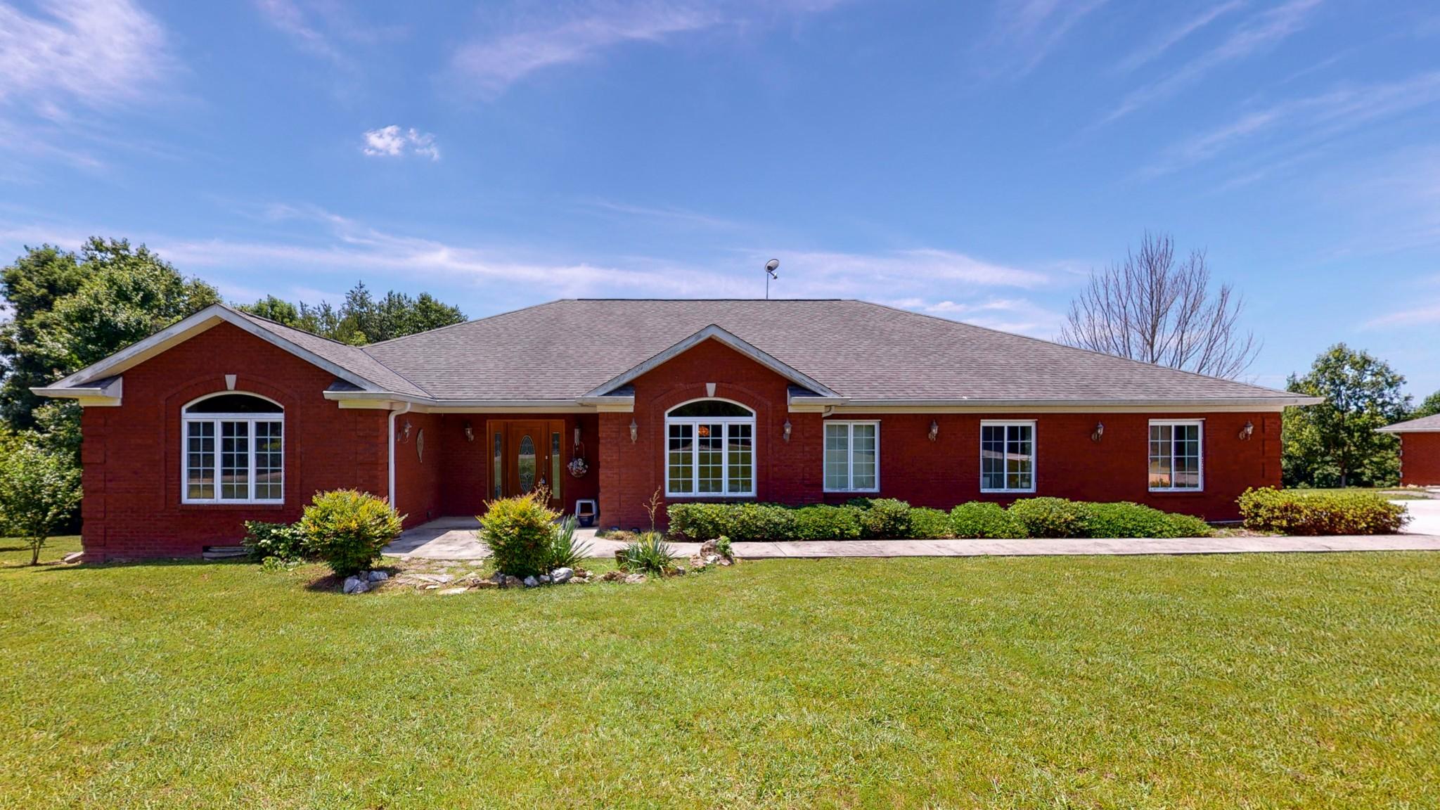 560 Lake Haven Dr Property Photo