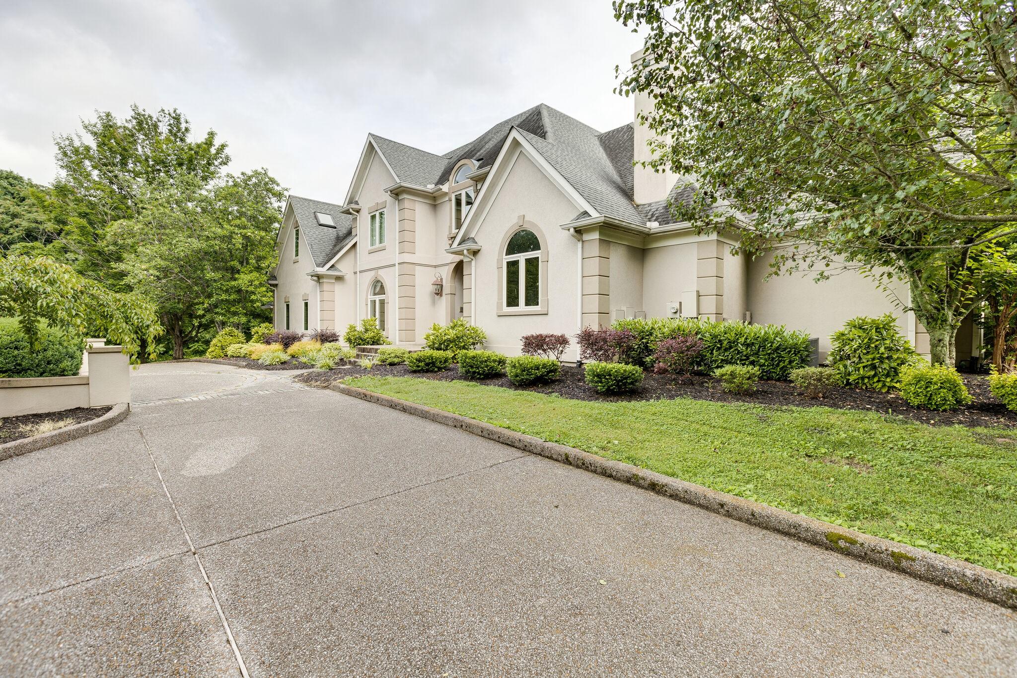 4430 Buchanan Ln Property Photo 2