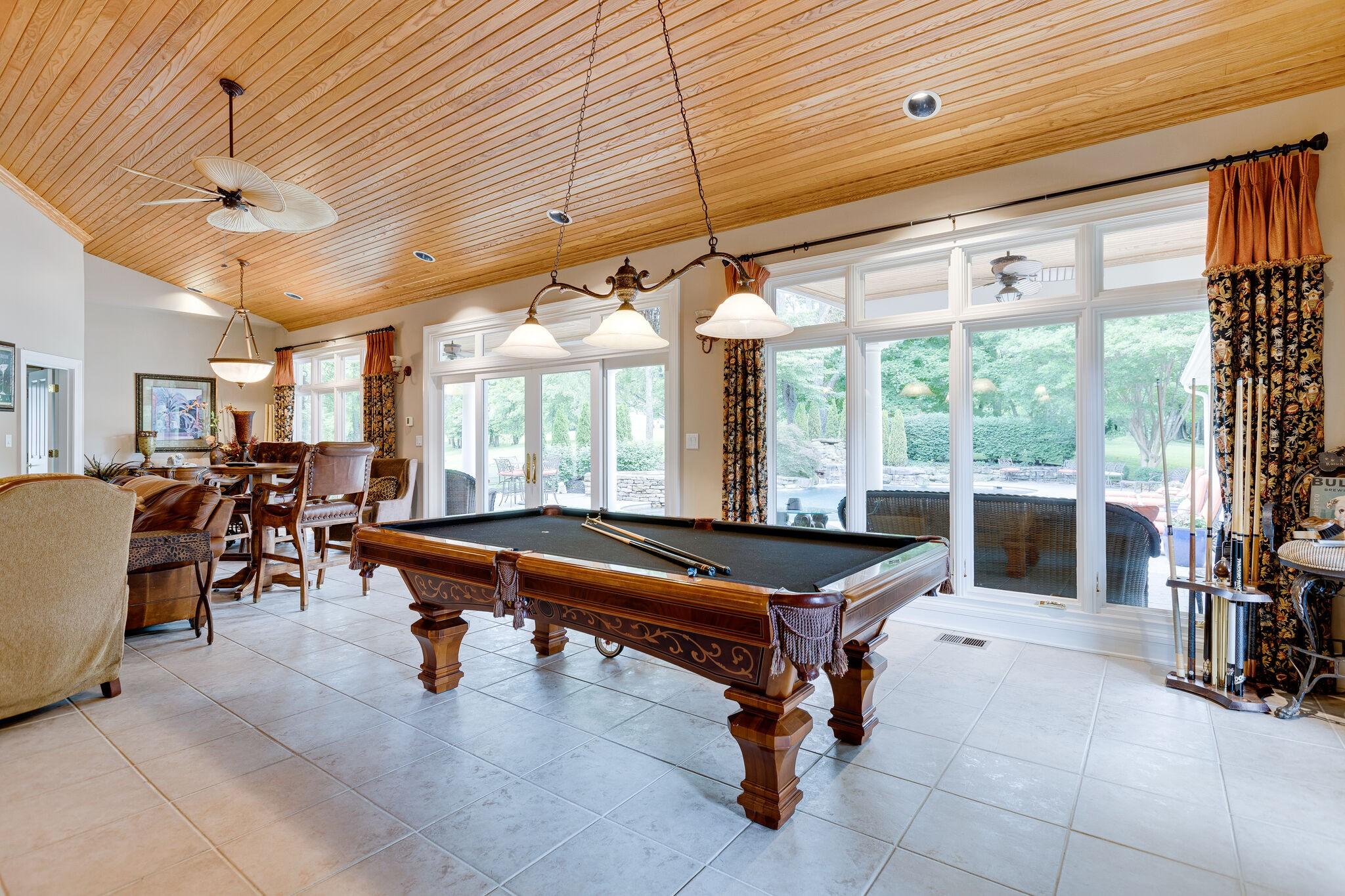 4430 Buchanan Ln Property Photo 27