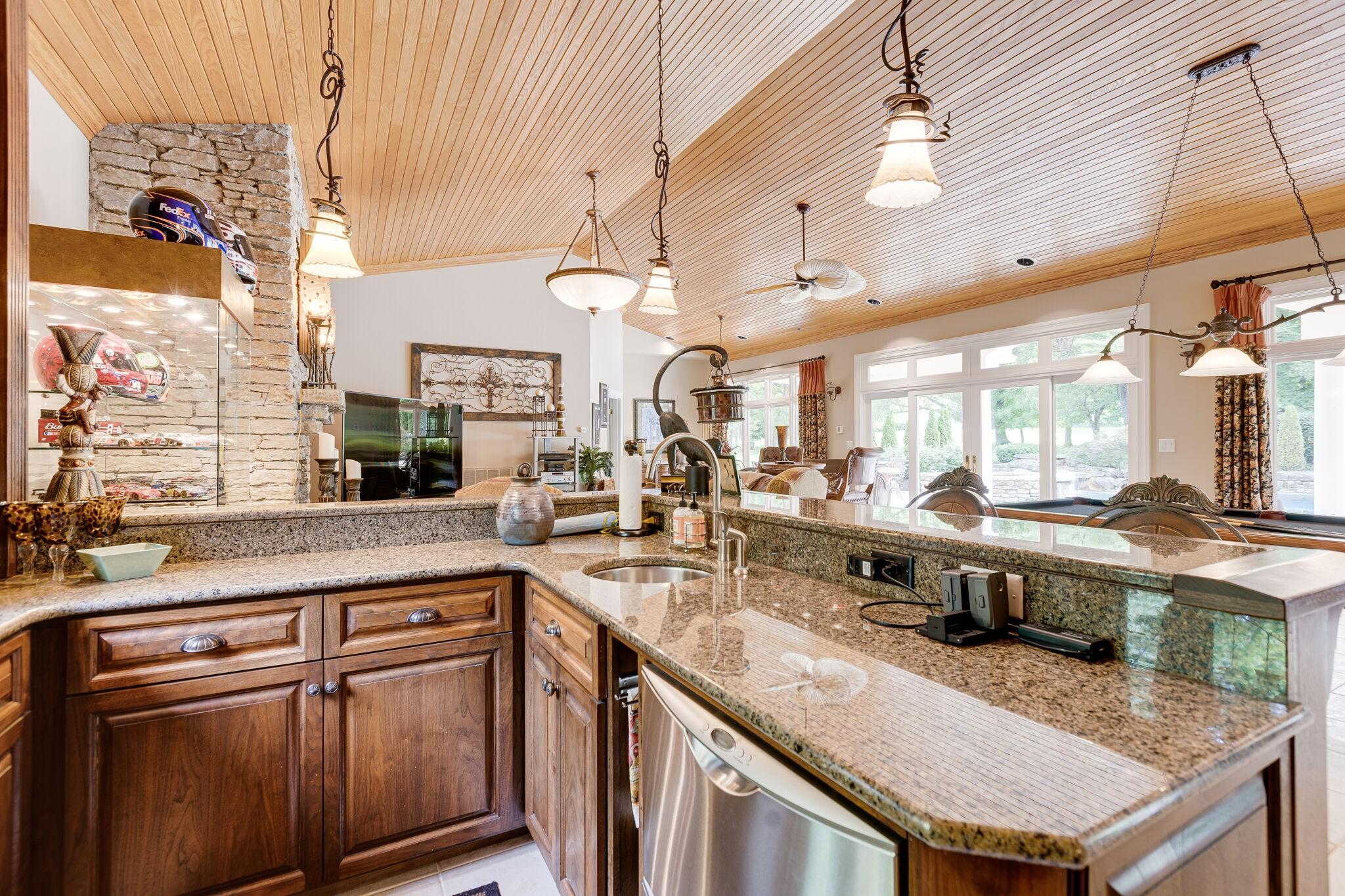 4430 Buchanan Ln Property Photo 29