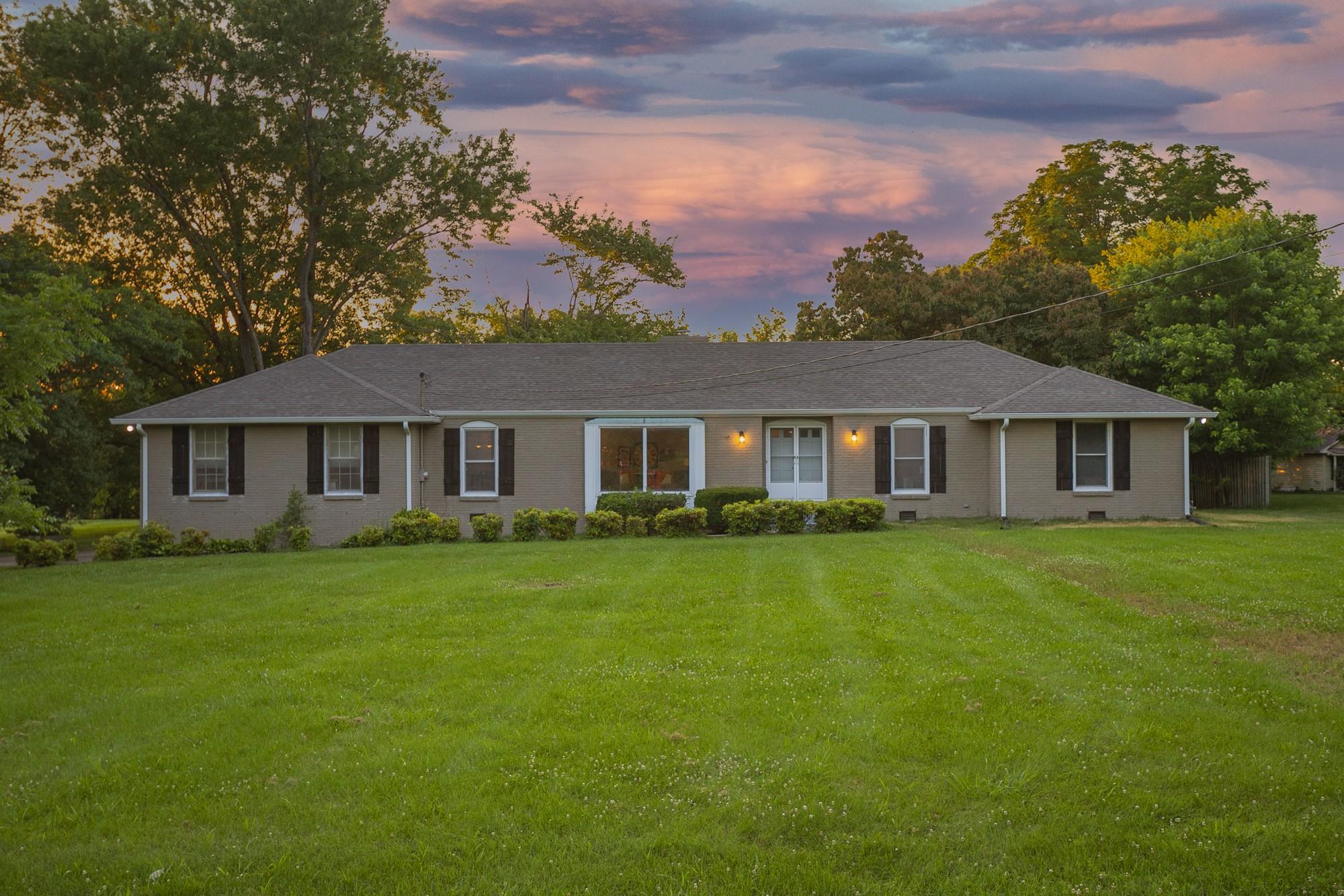 Barnett Rolling Acres Sec Real Estate Listings Main Image