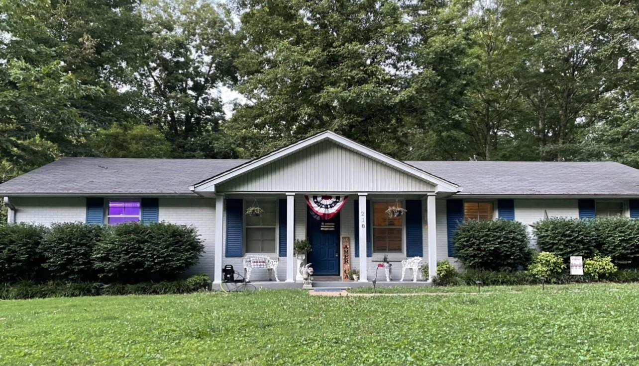 218 Hillcrest Dr Property Photo