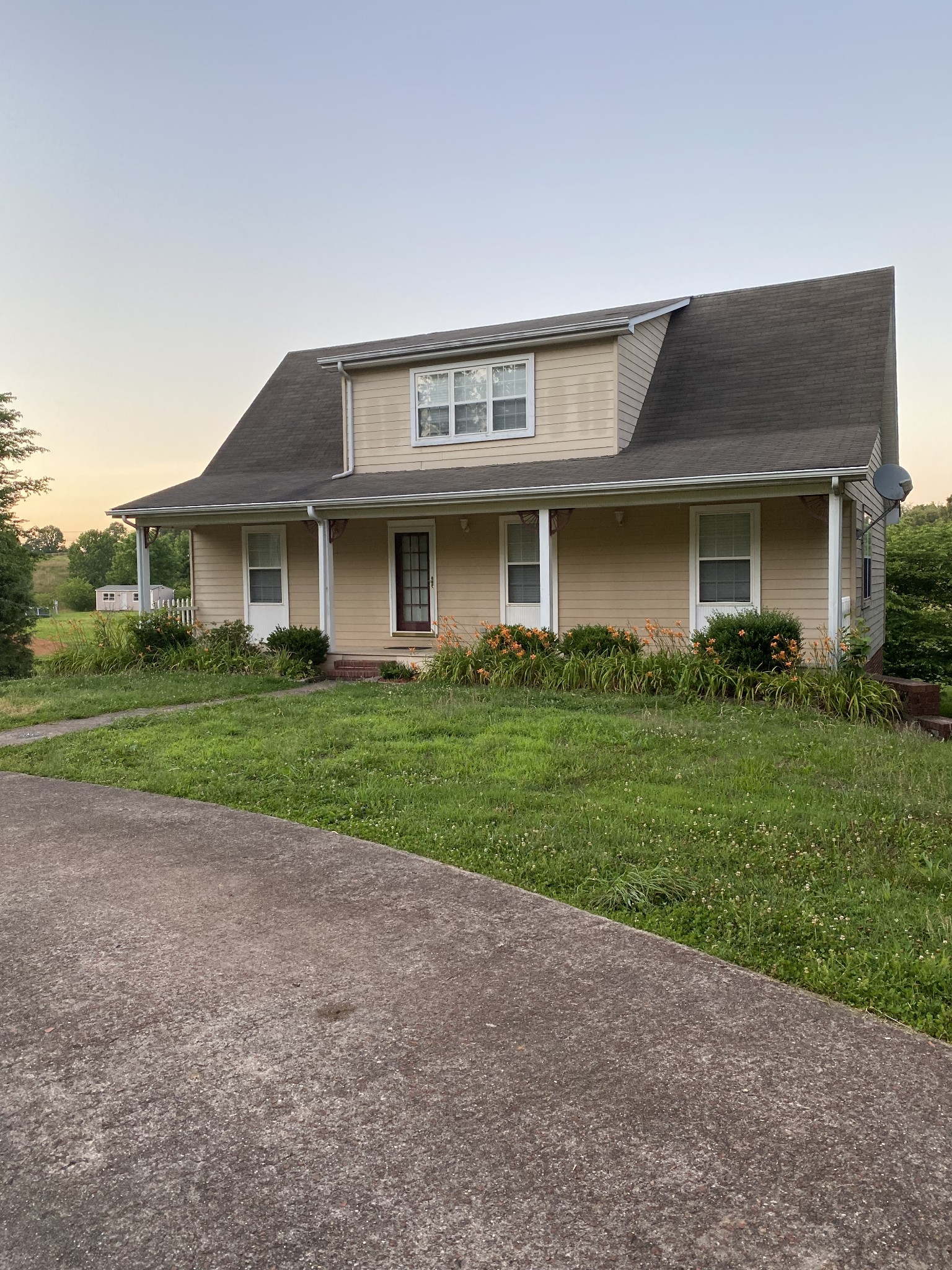 299 Lakeview Rd Property Photo