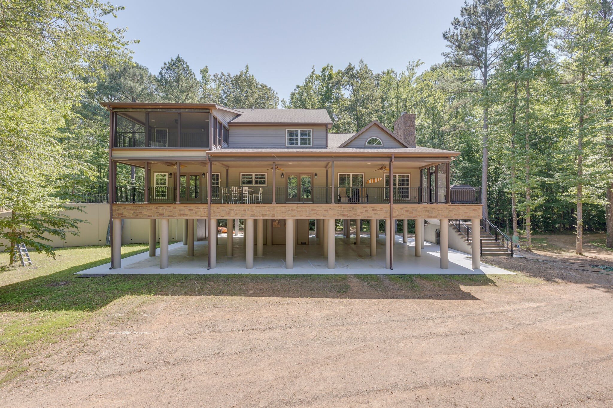 37096 Real Estate Listings Main Image