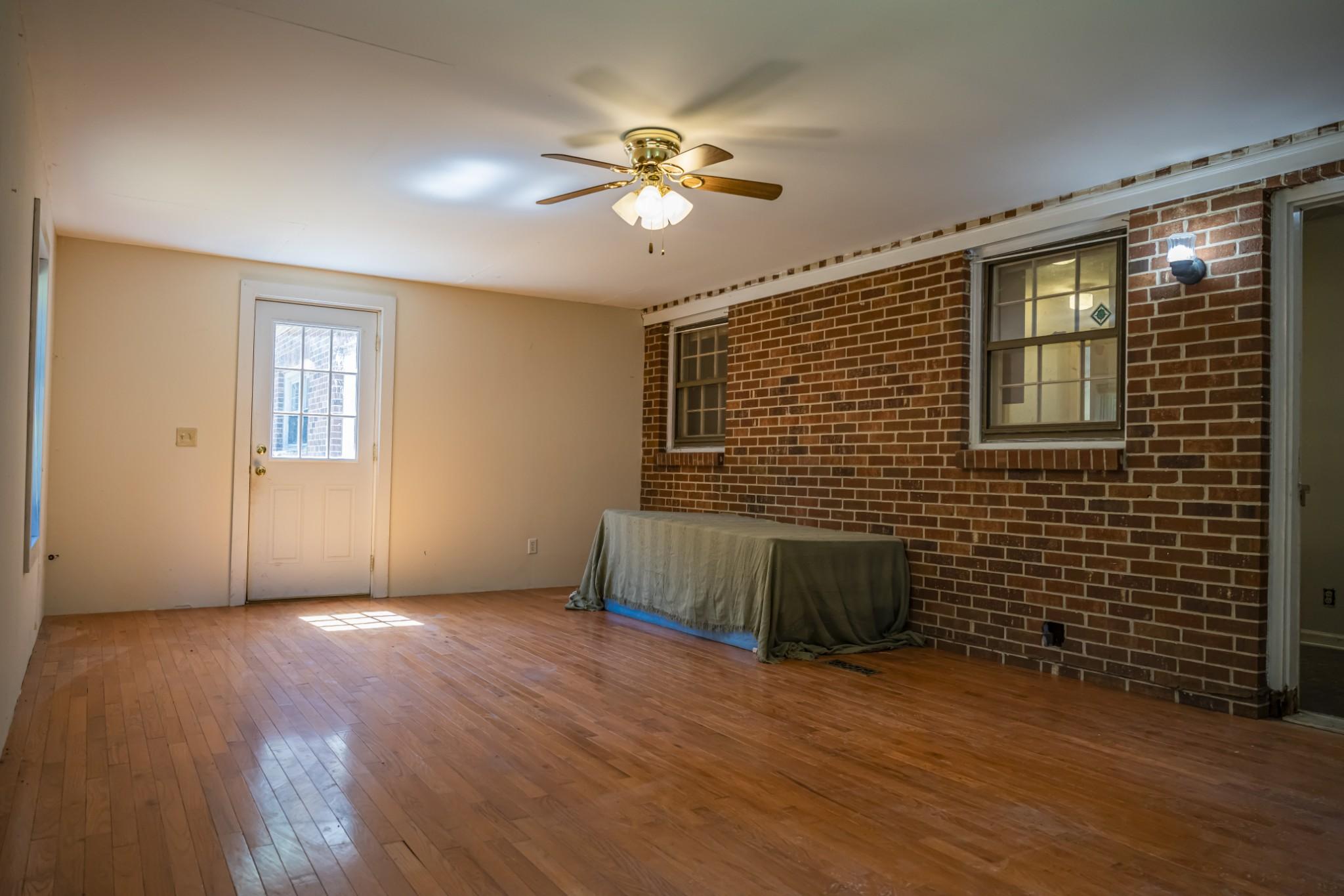 285 Dean Rd Property Photo 13