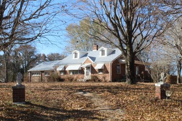 4727 Highway 100 Property Photo 2