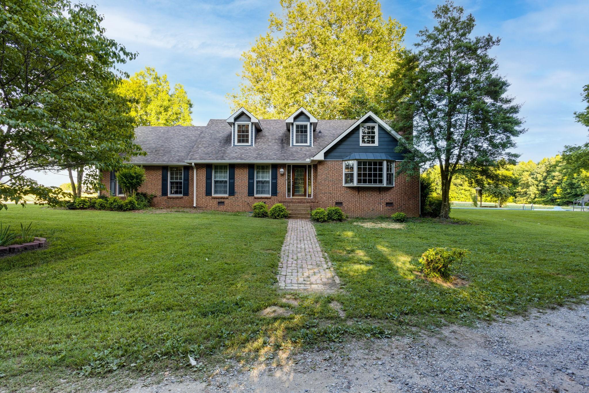 4815 Douthitt Ln Property Photo 1
