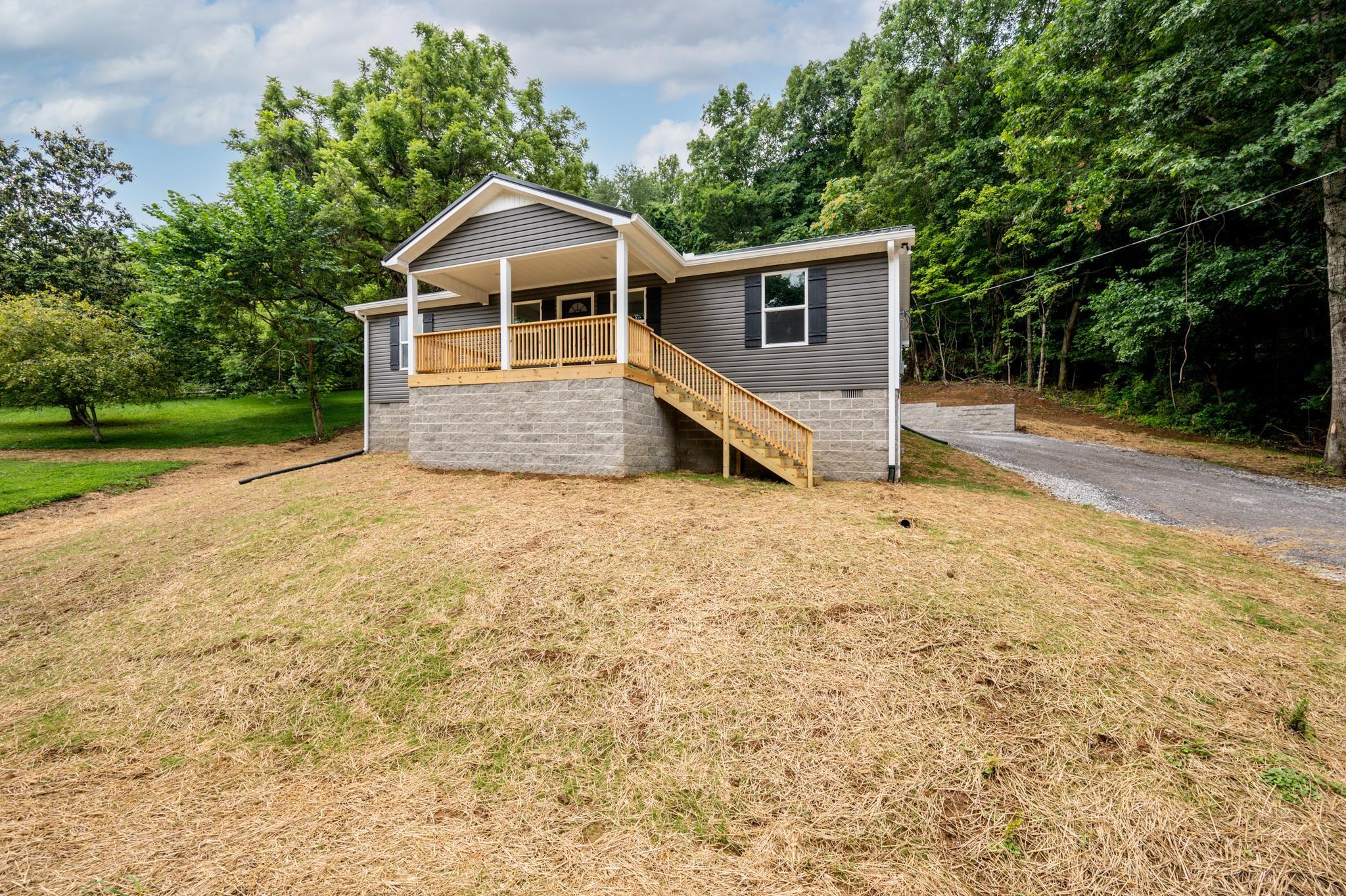 139 Lester Ave Property Photo