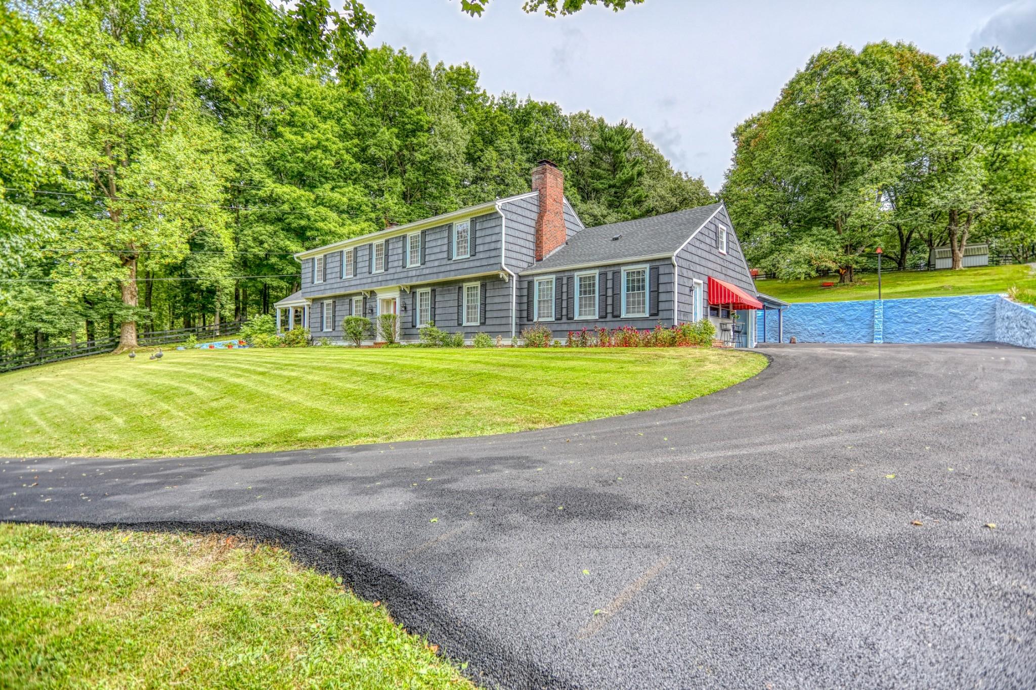 42164 Real Estate Listings Main Image