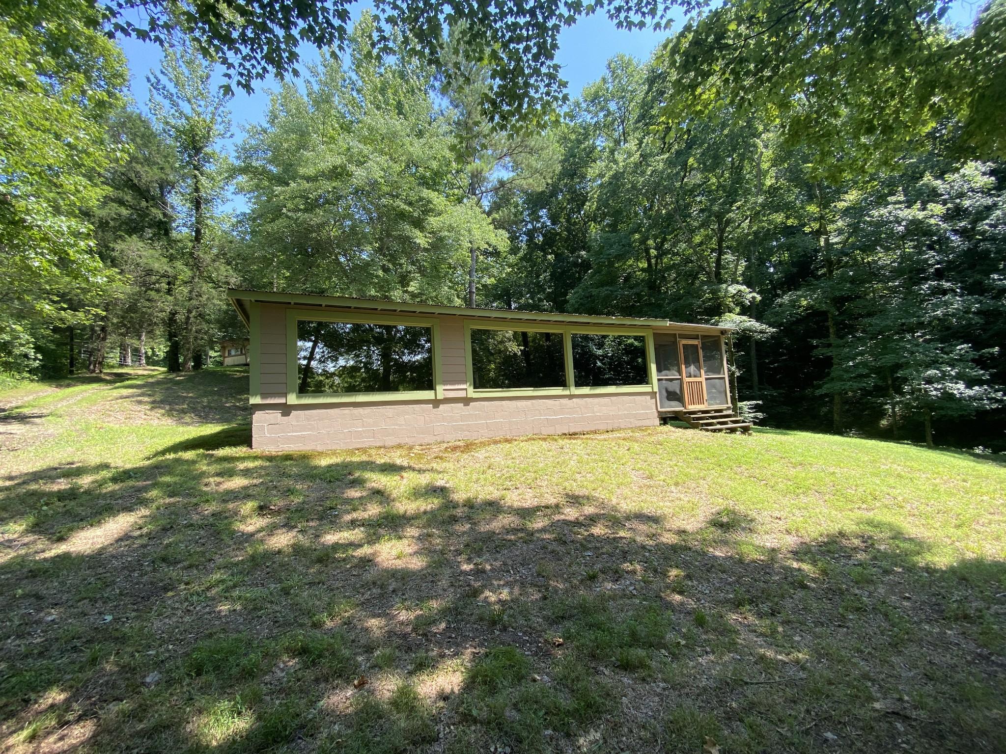 838 White Oak Rd Property Photo