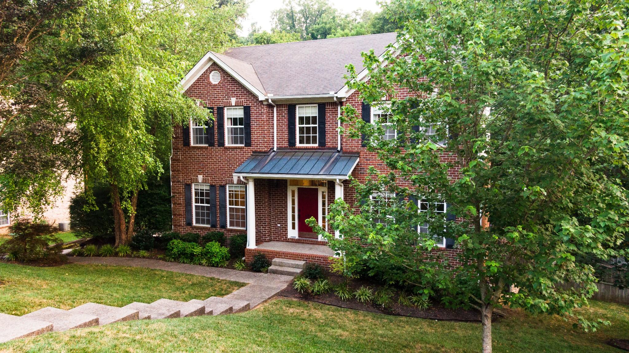 834 Overhills Dr Property Photo 2