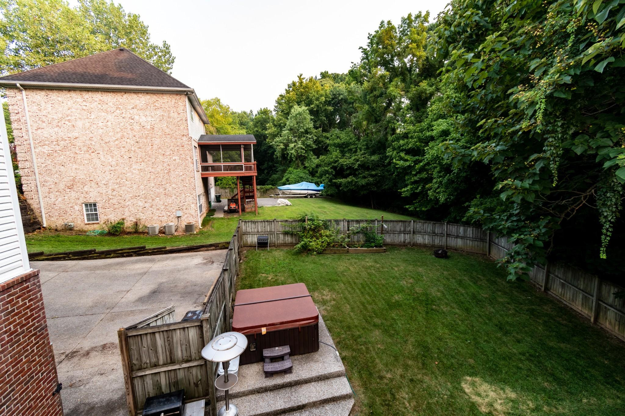 834 Overhills Dr Property Photo 27