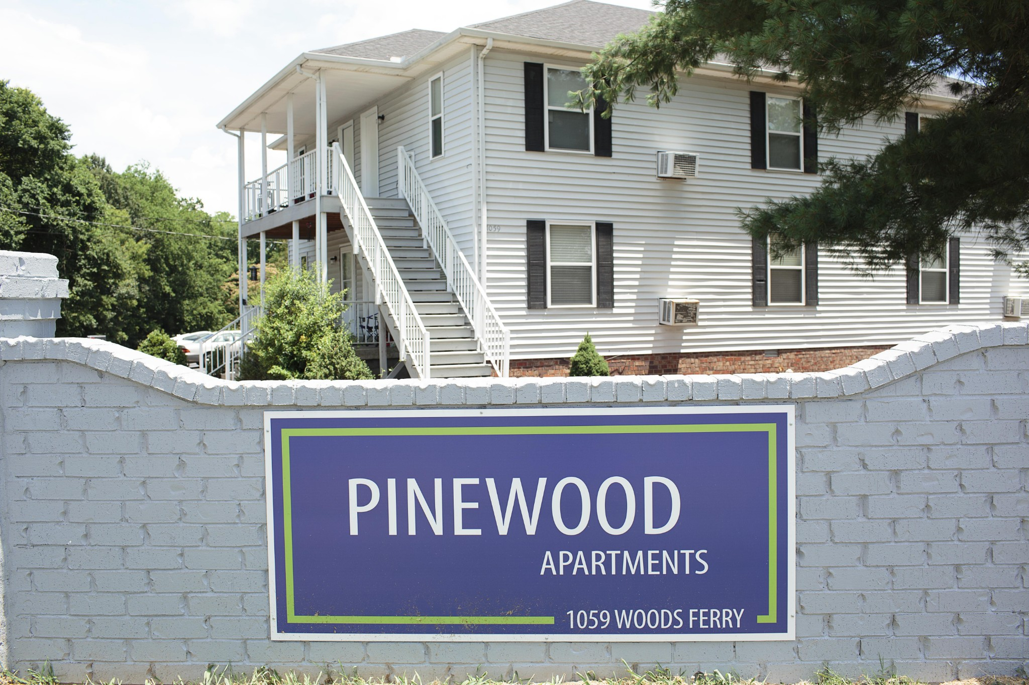 1059 Woods Ferry Rd Property Photo 1