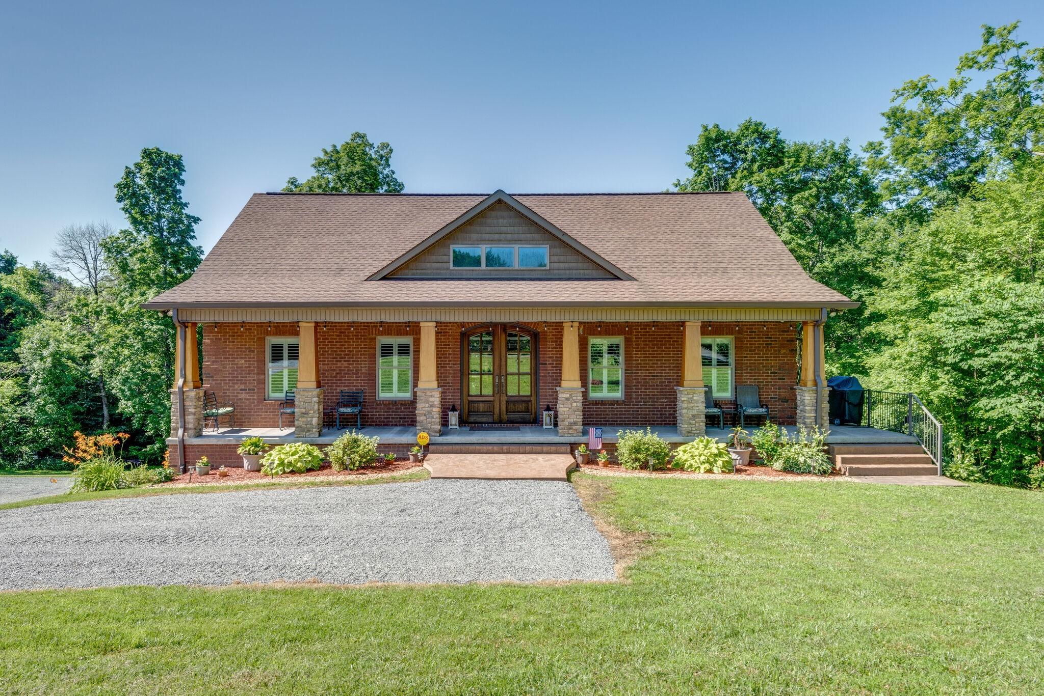 1622 Ridge Rd Property Photo 1