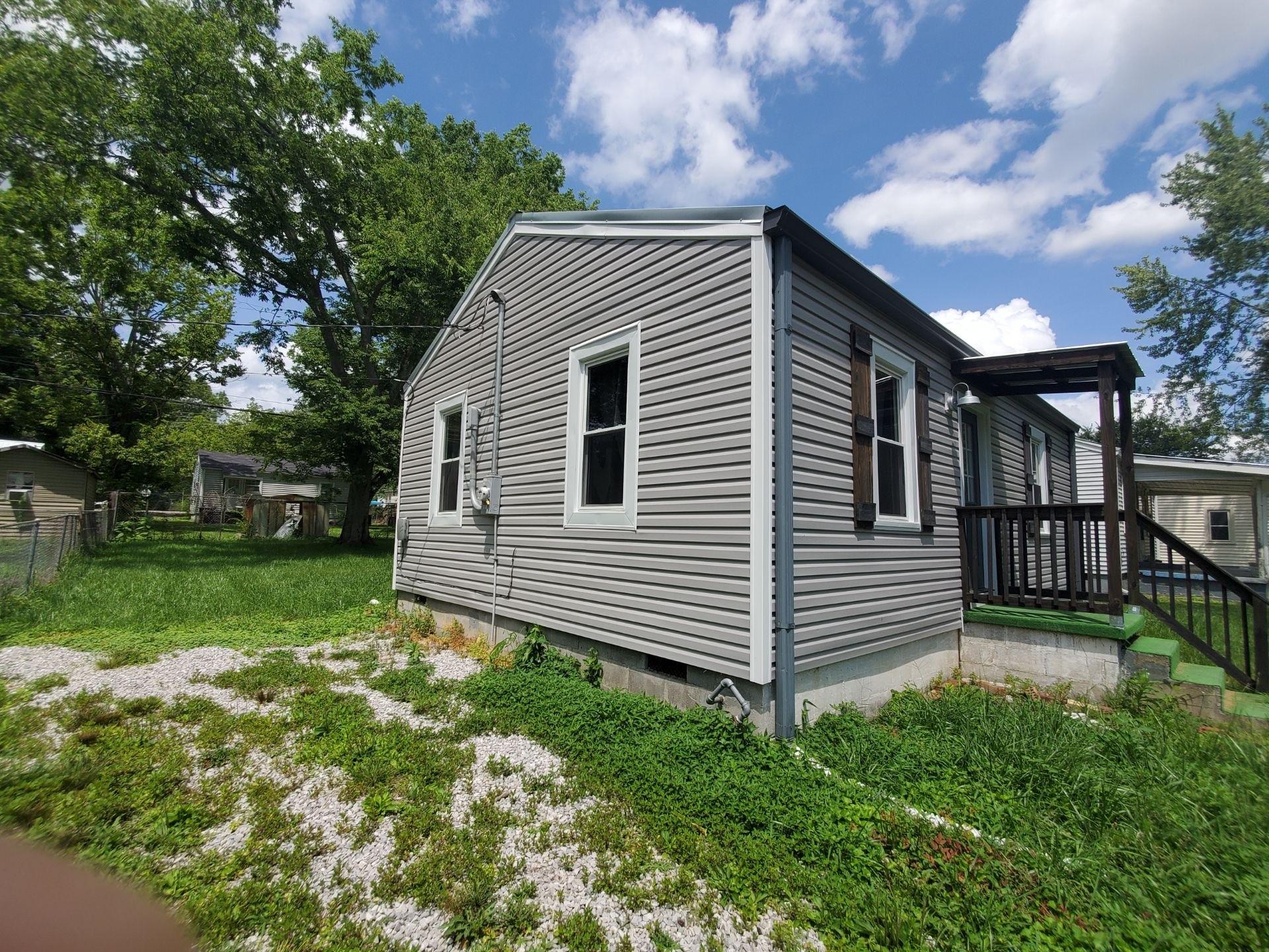 321 Oakwood Rd Property Photo 4