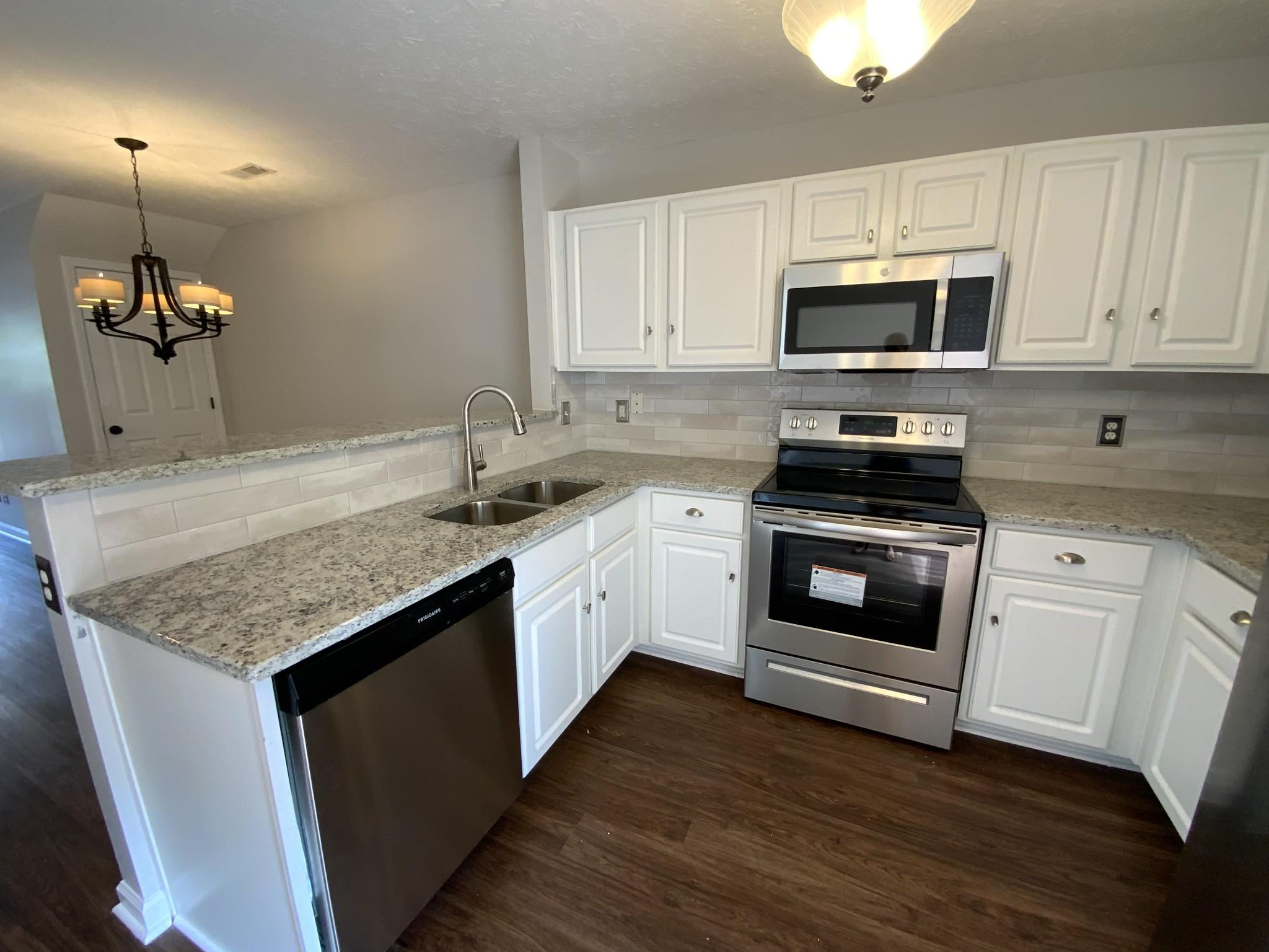 554 Flintlock Ct Property Photo 8