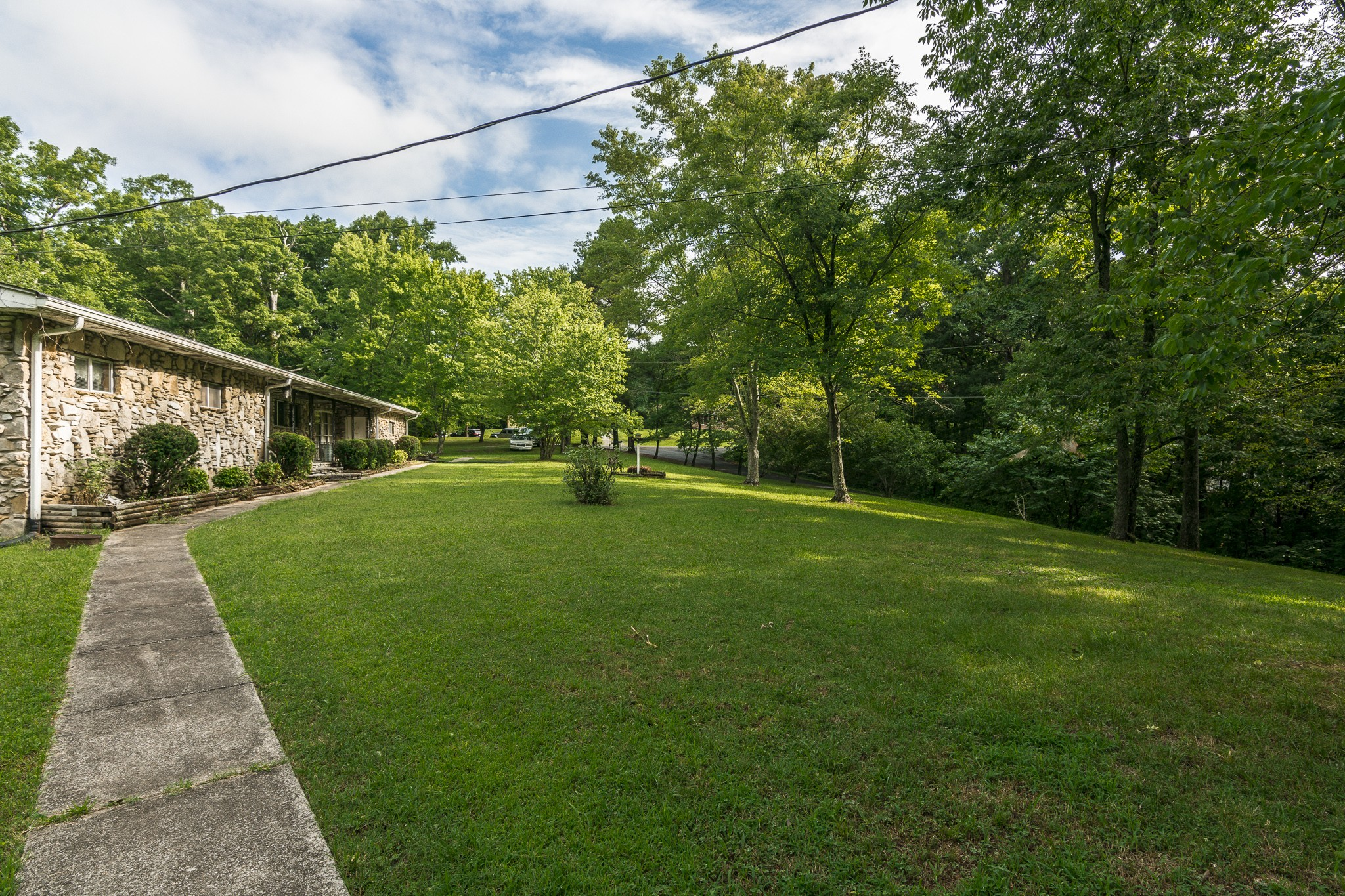 1496 Valley View Rd Property Picture 4