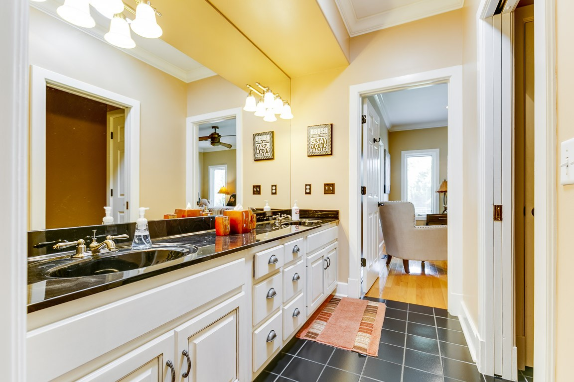 5190 Old Harding Rd Property Photo 17