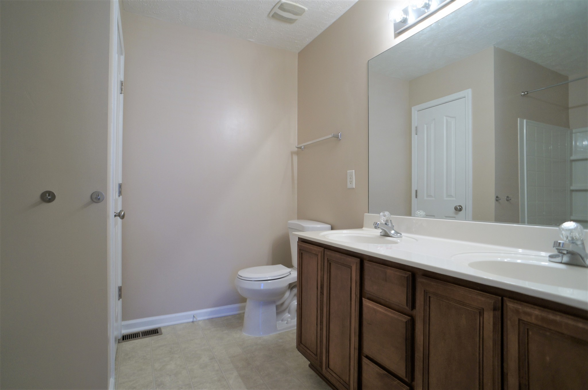 5170 Hickory Hollow Pkwy Property Photo 8