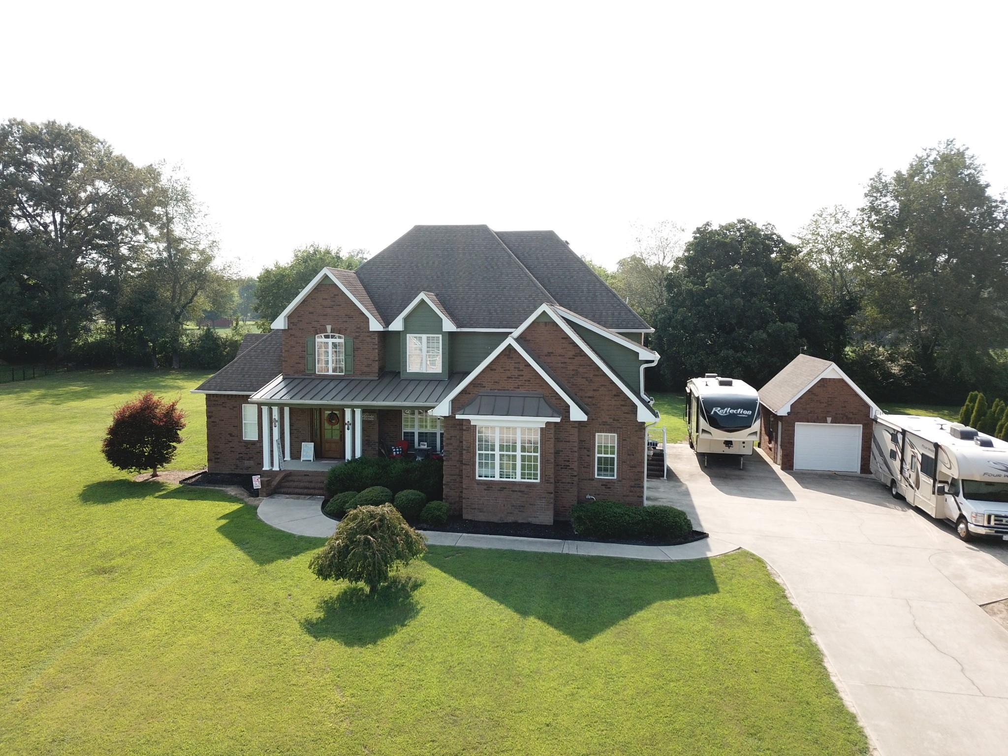 183 Roberts Creek Cir Property Photo 1