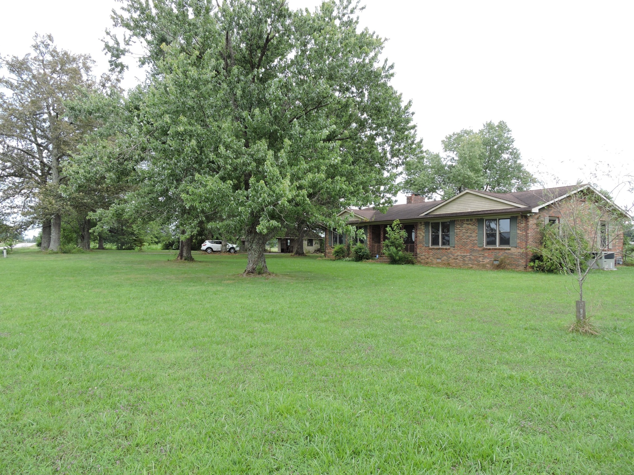 9266 Hollow Springs Rd Property Photo