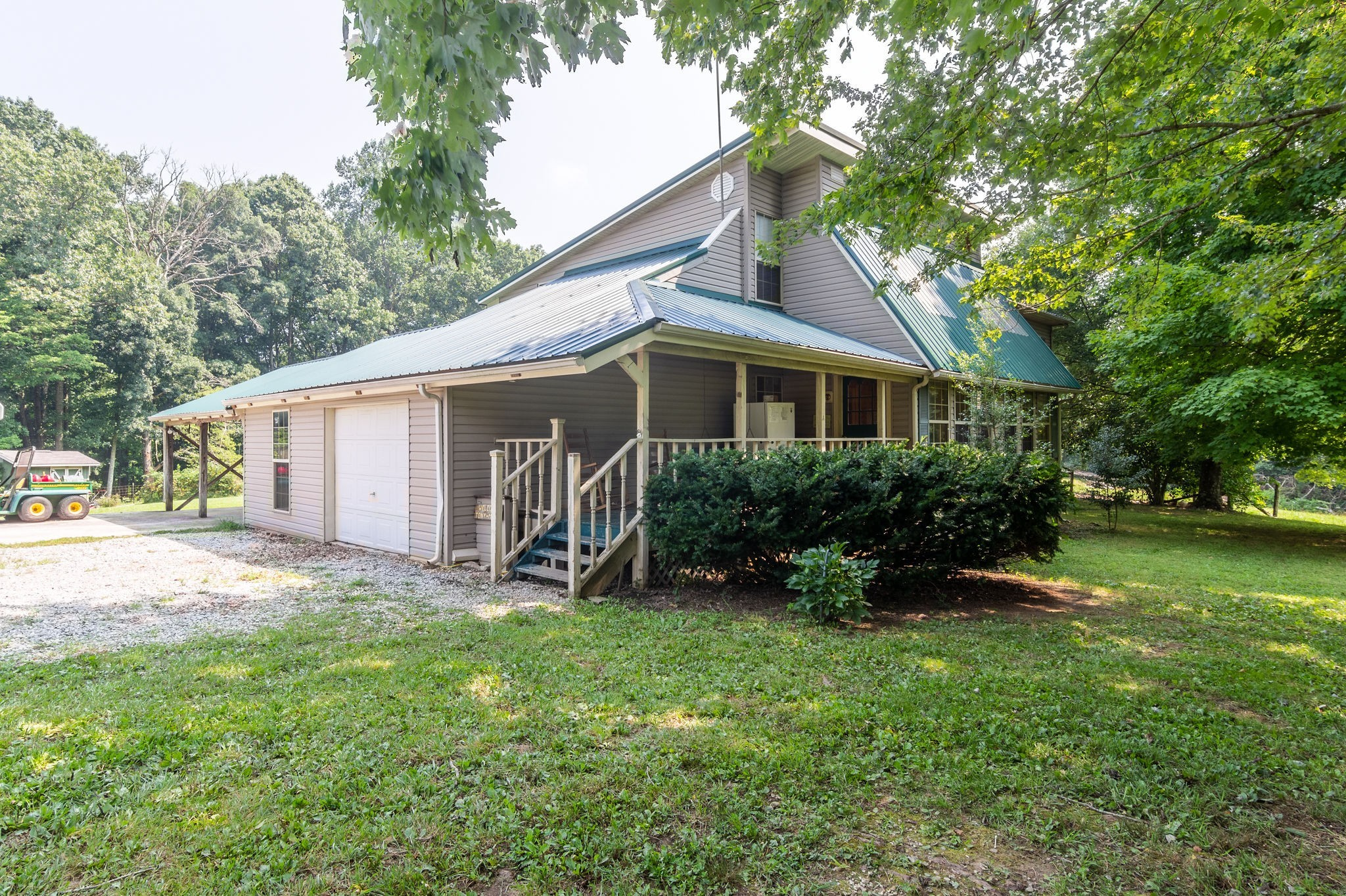 1084 Perry Rd Property Photo 1