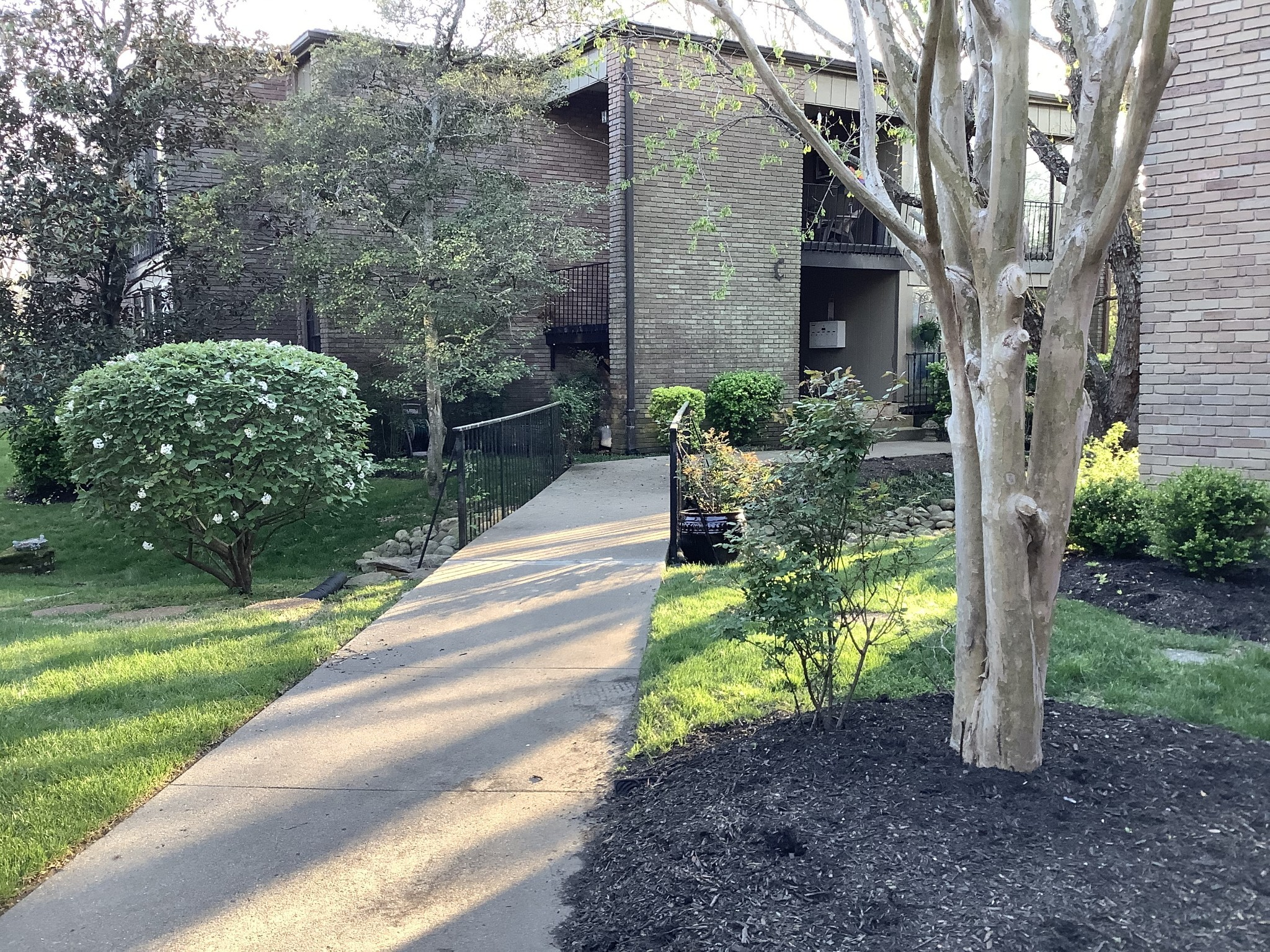 Belle Meade Terrace Real Estate Listings Main Image