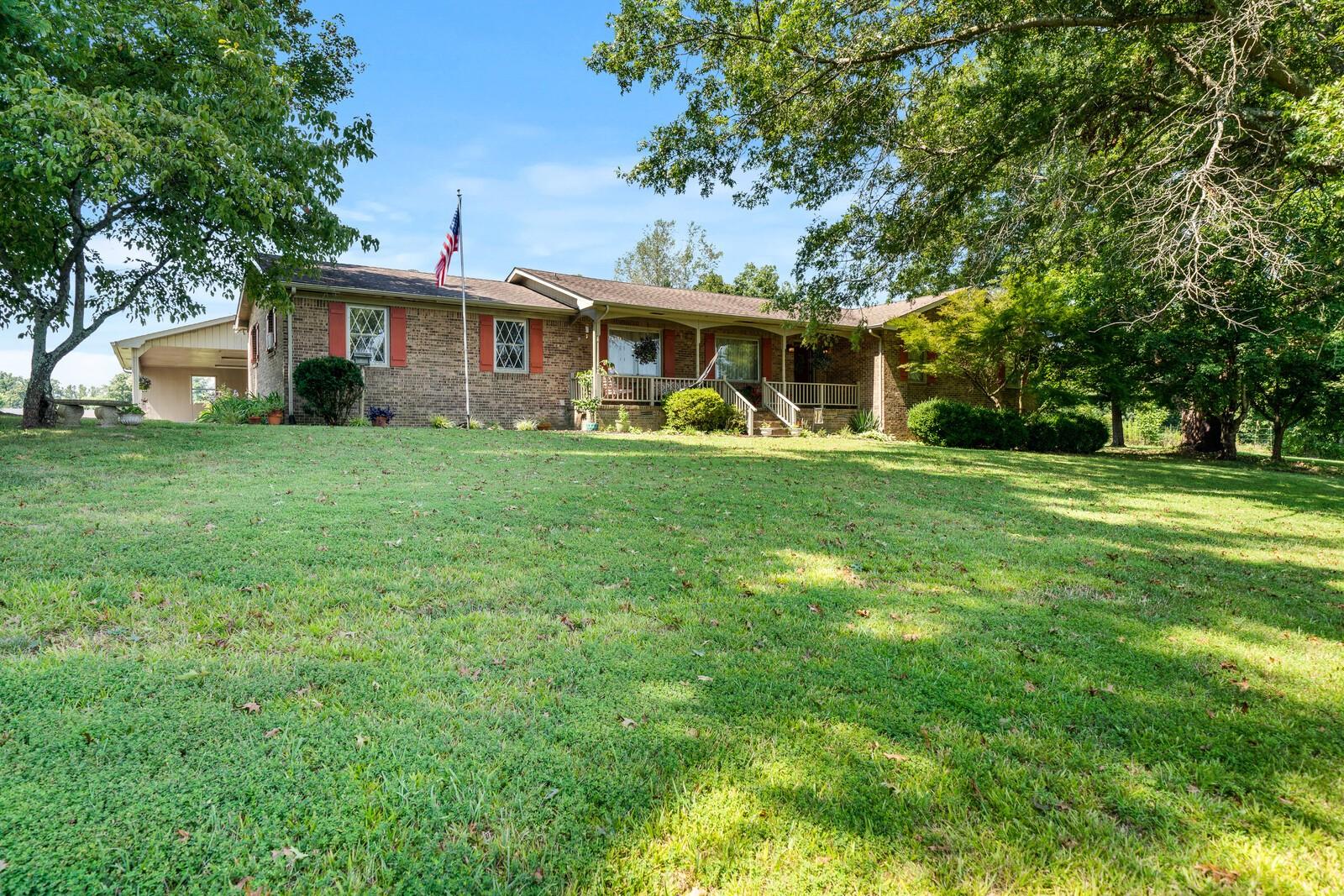 3697 Nashville Hwy Property Photo