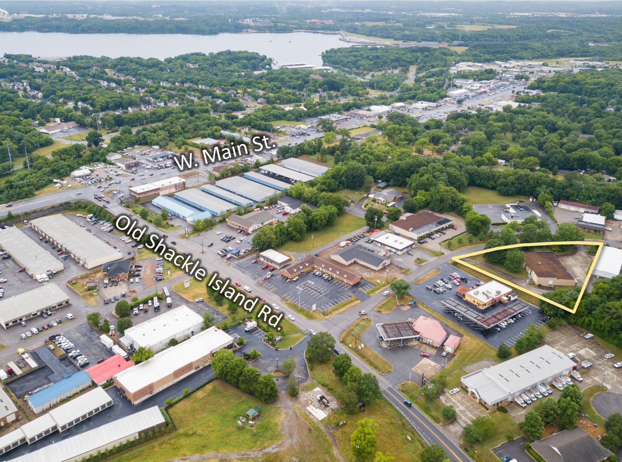 8 Industrial Park Dr Property Photo 1
