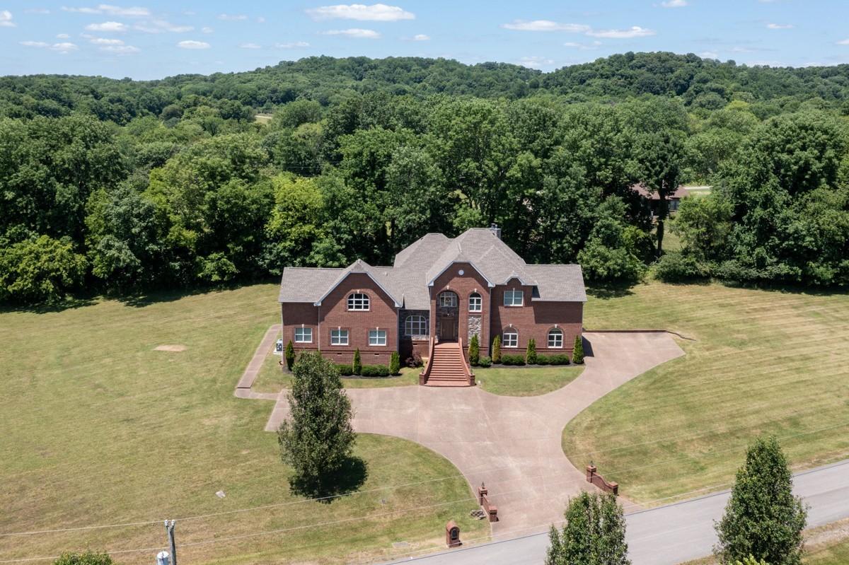1035 Bates Ct N Property Photo 1